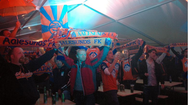 Oransje feiring etter semfinale seieren