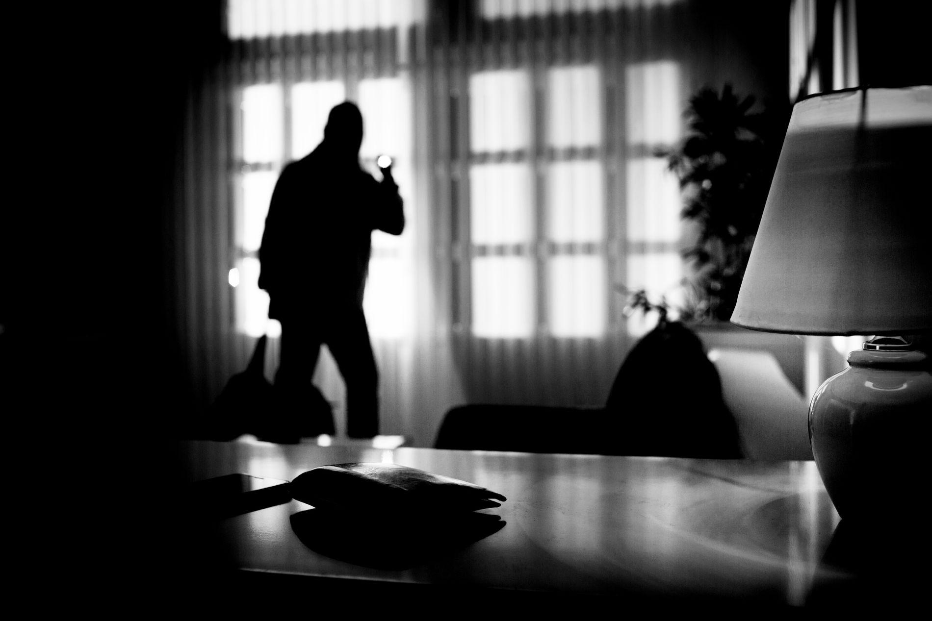 SKREMMENDE: Kvinnen skriver at hun er blitt engstelig etter nærmøtet med tyvene. Hun vil gjerne snakke med mannen som er pågrepet for innbruddet.