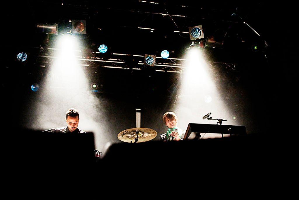 HELT I 100: DJ-en Teddy Touch har startet nytt klubbkonsept i Grand selskapslokaler. I kveld er det Röyksopp som står bak DJ-pulten. ARKIVFOTO: MARIA BRATT