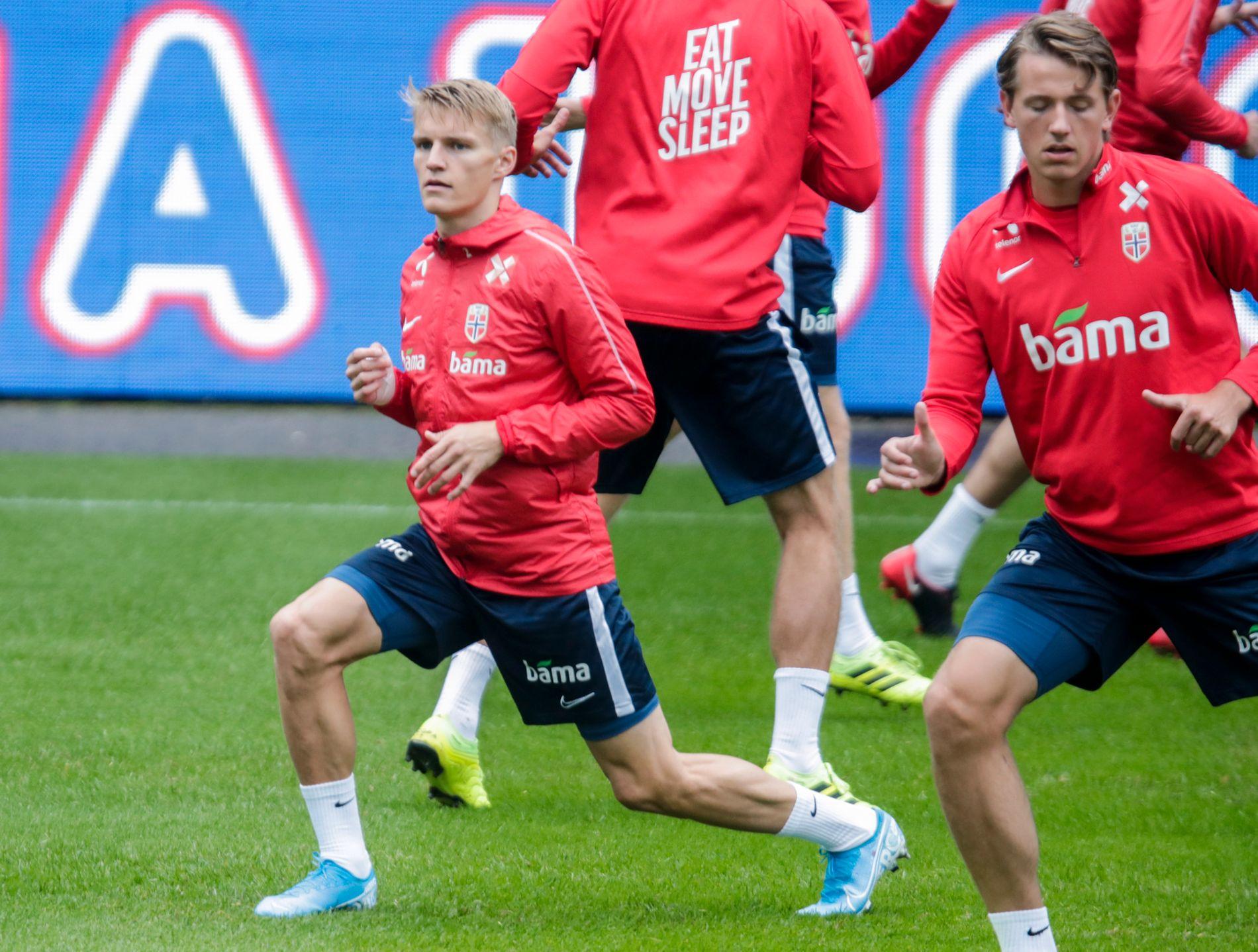 Martin Ødegaard mener han har vært heldig i oppveksten som har hatt en far som tidligere har vært aktiv fotballspiller.