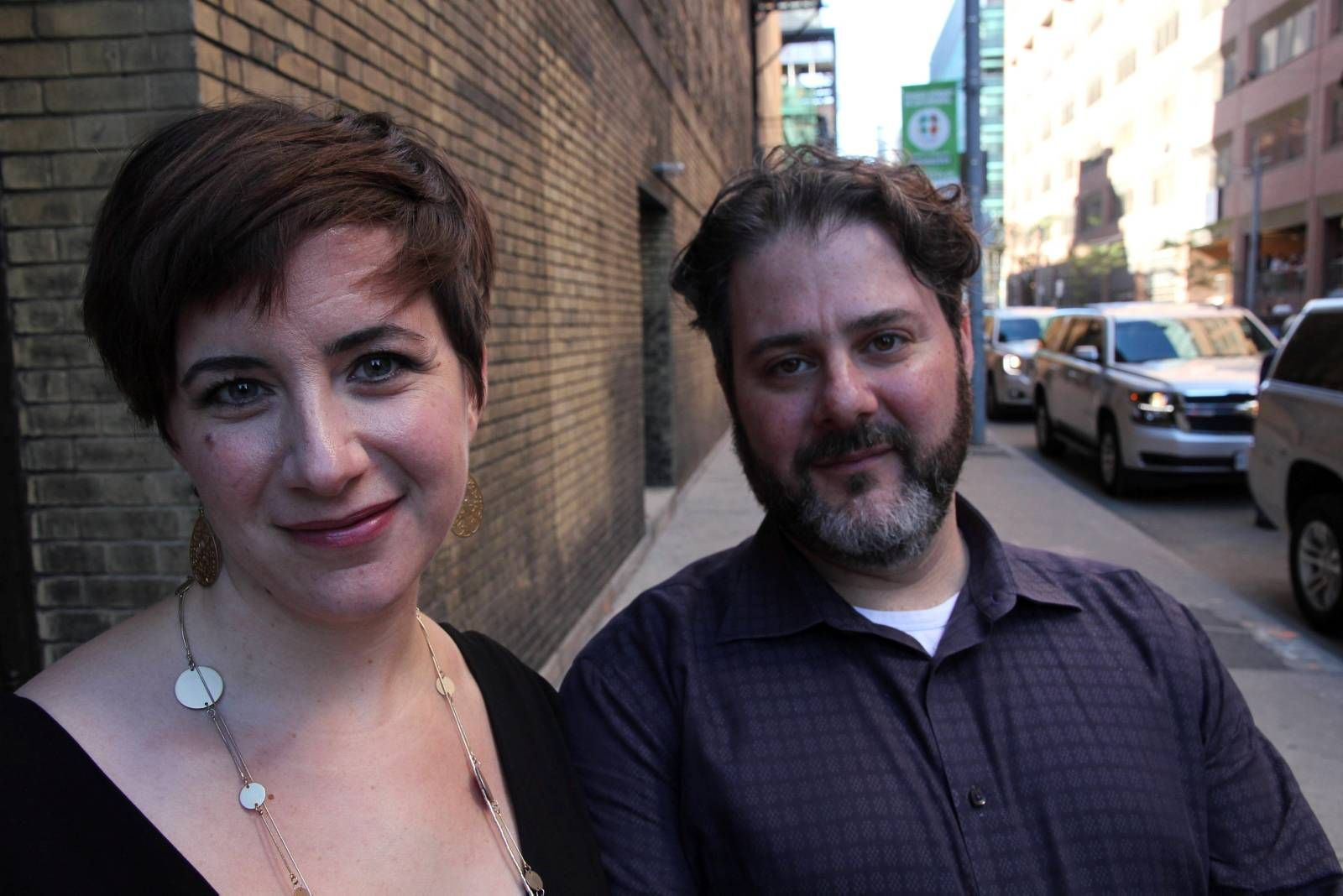 FORNØYDE: Steven Gilbert og kona Rachel var svært fornøyd med Frøken Julie. - En nydelig, men vanskelig film, sier Rachel Gilbert.