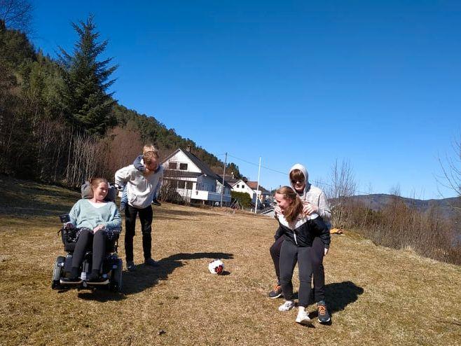 DYREBART: Jeg håper jeg kan få lov til å dele mange flere fantastiske øyeblikk med mine nærmeste, og få lov til å følge mine barn i noen år til, skriver Vivian Brosvik.