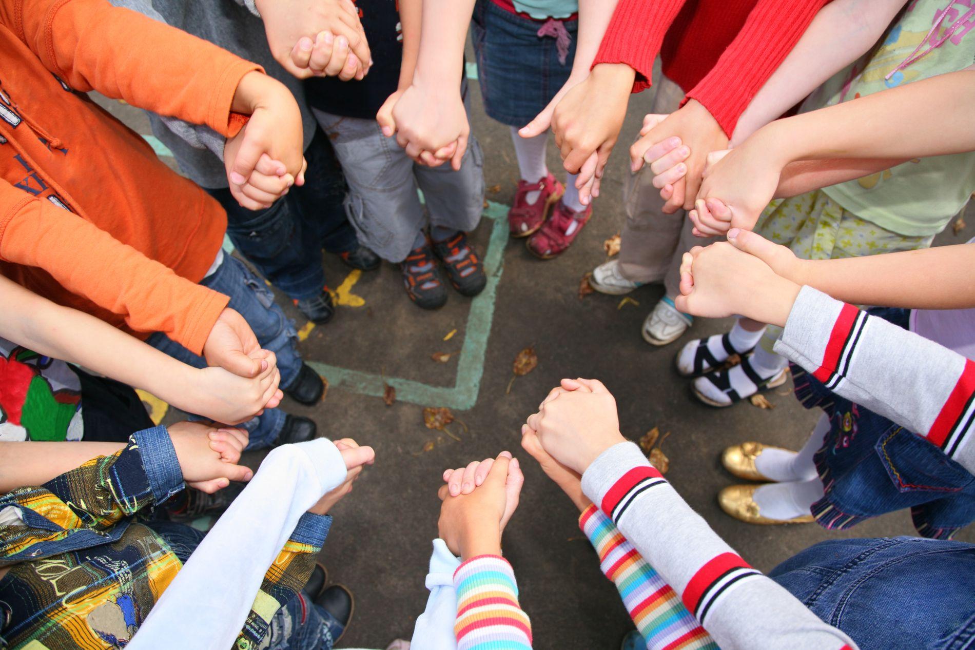 HOLDER IKKE:  I løpet av tre år på lærerskolen har tema om psykisk helse utgjort omtrent 10 prosent av pedagogikkfaget, det vil si åtte forelesninger i løpet av tre år.  Det gir oss verken den nødvendige kunnskapen eller tro på egne ferdigheter, skriver innsenderne.