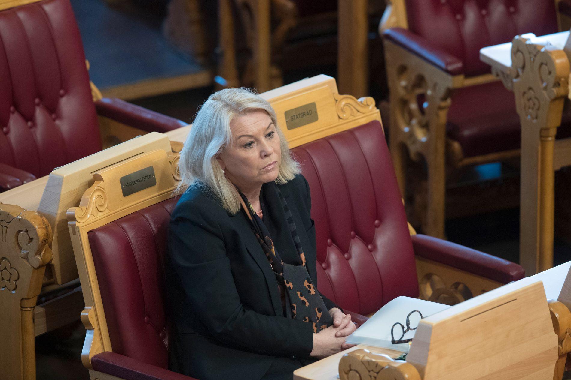 TVANG: Kommunalminister Monica Mæland kan ikkje stoppe ein samanslåingsprosess som nasjonalforsamlinga har vedtatt. Men ho ser ikkje eingong behovet for å vere entusiastisk.