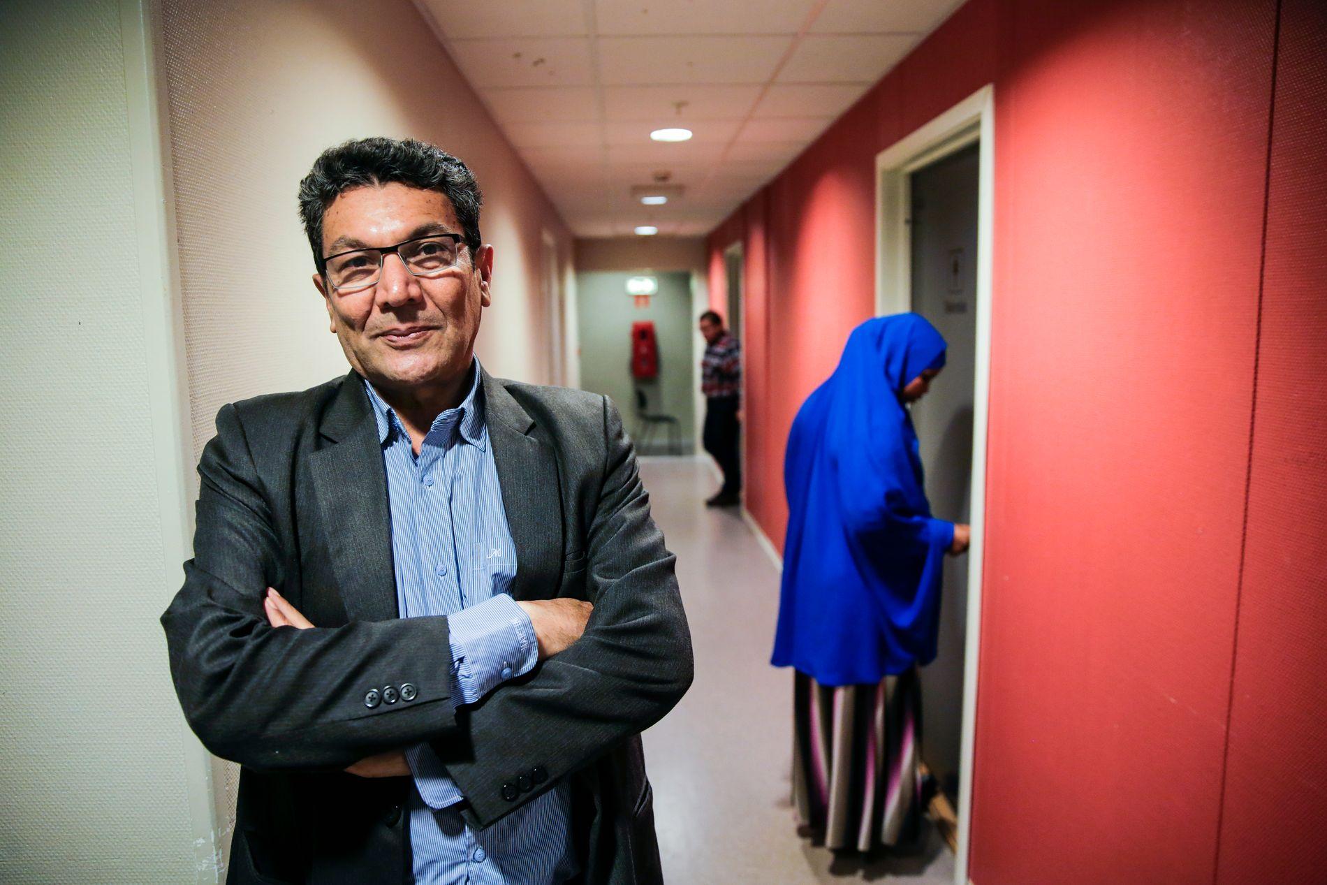 AP-MEDLEM: – Det ser ut som at Ap har glemt den humane delen og konkurrerer med Frp om å være partiet med den strengeste innvandringspolitikken, skriver Siavash Mirghafari.