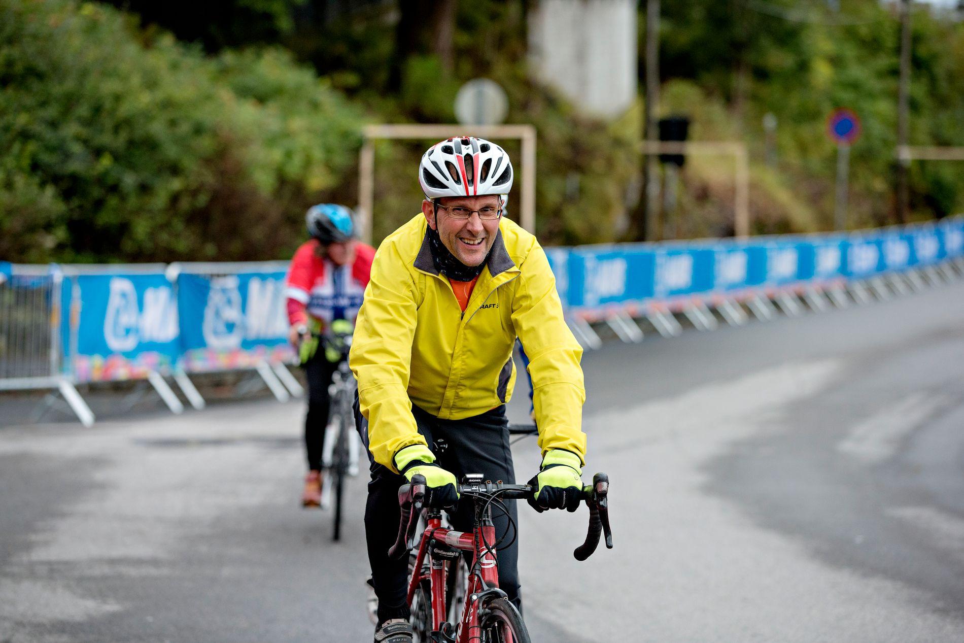 SNART 60: Den tida nærmar seg då alderen tek til å krevja offer, skriv Knut Langeland, her under Sykkel-VM sitt publikumsritt.