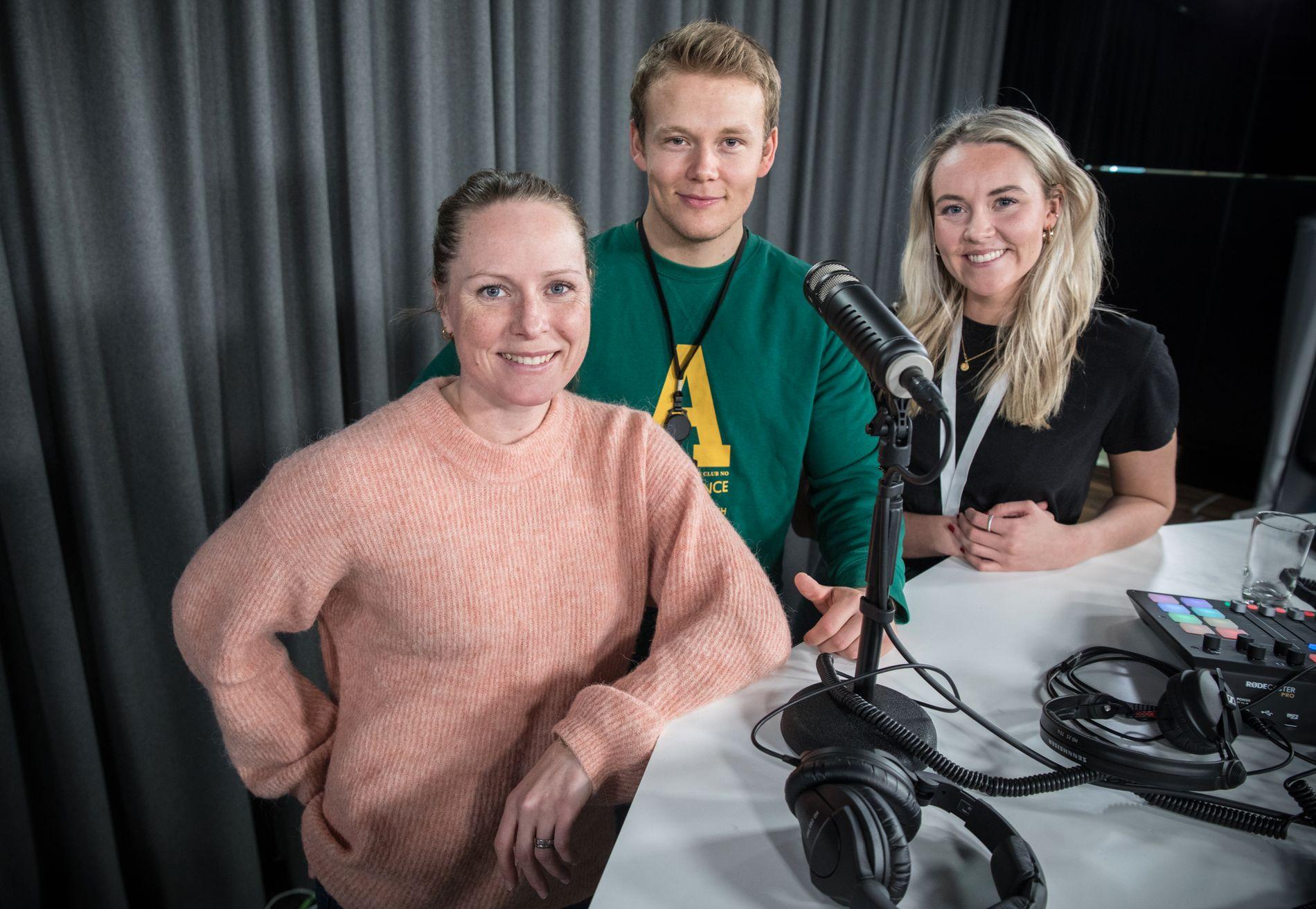 SVARER LYTTERNE: Helene Høimyr, muskelfysiolog og PT, svarer på spørsmål fra dere lyttere om trening og motivasjon. Her sammen med programleder Daniel Røed-Johansen og Malene Indrebø-Langlo.