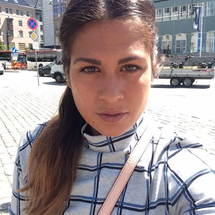 REDD: Camilla Ahamath er redd hennes tre barn vil kunne bli utsatt for hat og hets på grunn av etternavnet sitt. Datteren er allerede blitt kalt «jævla muslim».