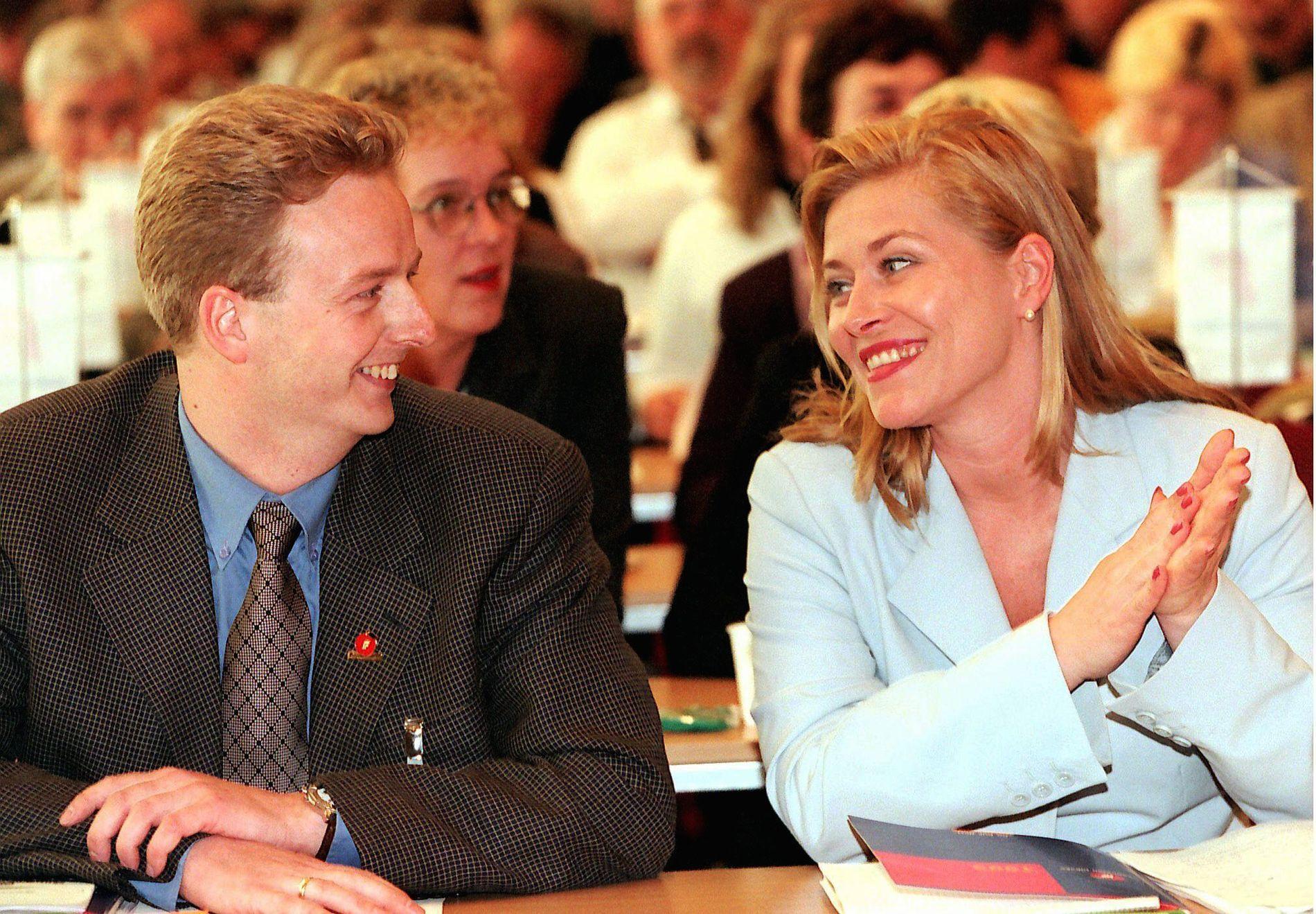 NESTLEDERDUO: Terje Søviknes og Siv Jensen på landsmøtet i 1999.