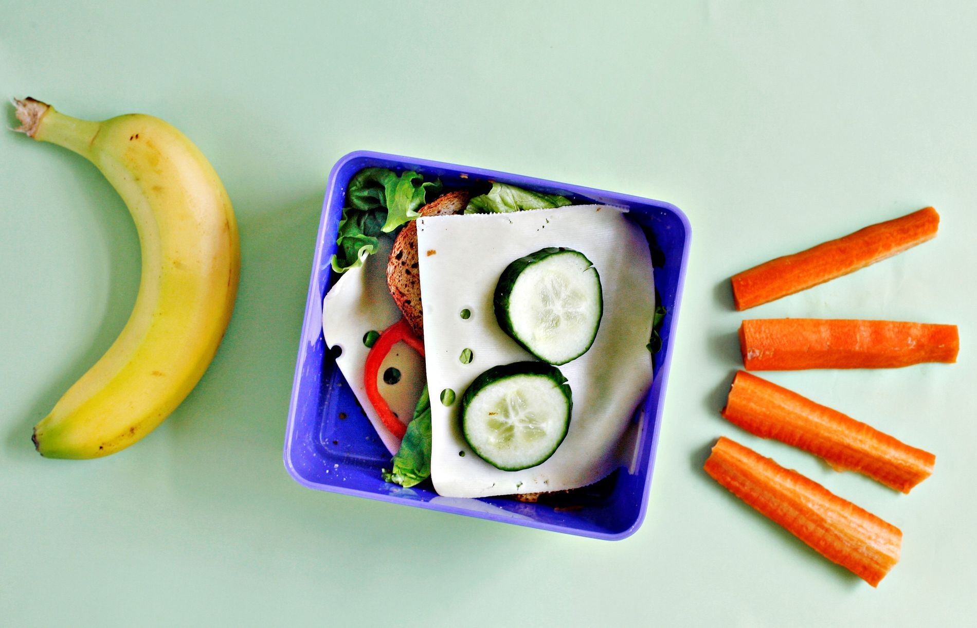BRA FOR HELSEN: Gode matvaner etableres tidlig. En gjeninnføring av skolefruktordningen og subsidiert eller gratis skolemat vil derfor gi en klar helsegevinst, mener innsender.