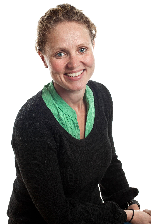 KAKETRIKS: Torunn Aarøy gir ikke opp selv om sommeravslutningene står i kø.