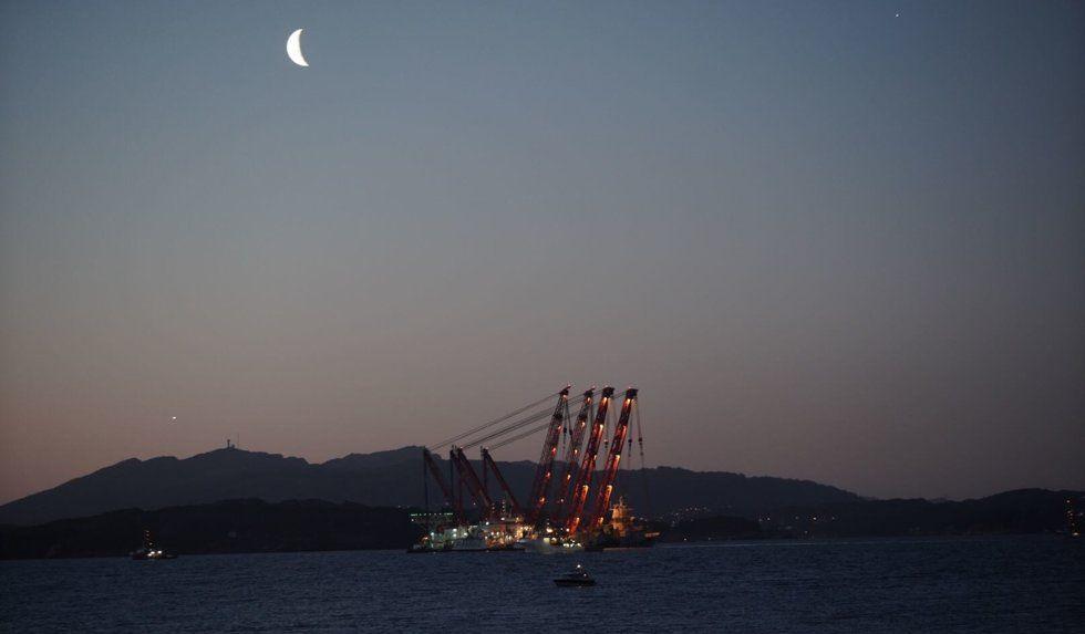 PÅ VEI: Tidlig torsdag morgen er fregatten på vei mot Hanøytangen.