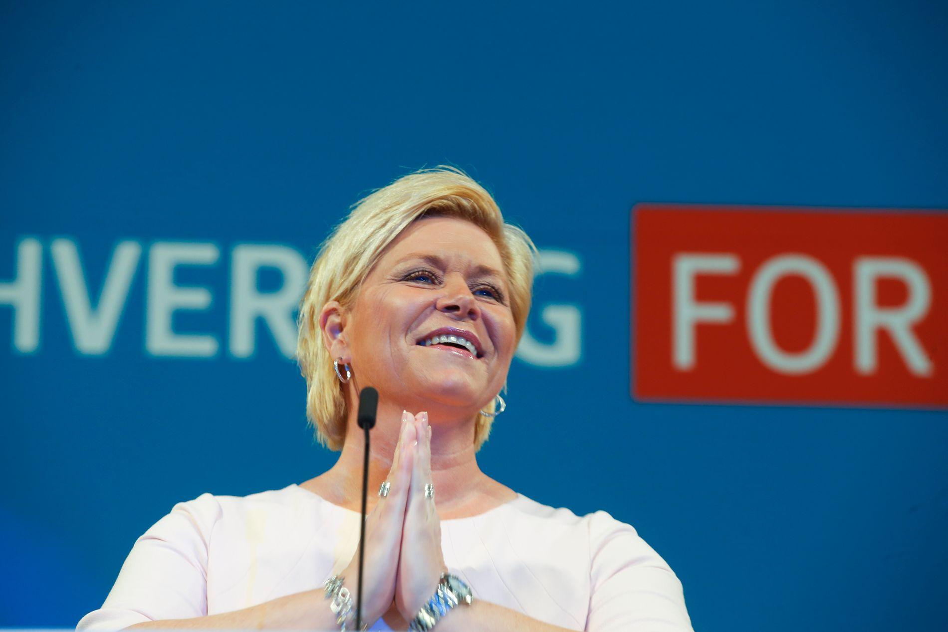 SENKER TAKSTEN: Finansminister Siv Jensen burde holdt seg unna å overstyre kommunenes eiendomsskatt, skriver Bergens Tidende på lederplass.