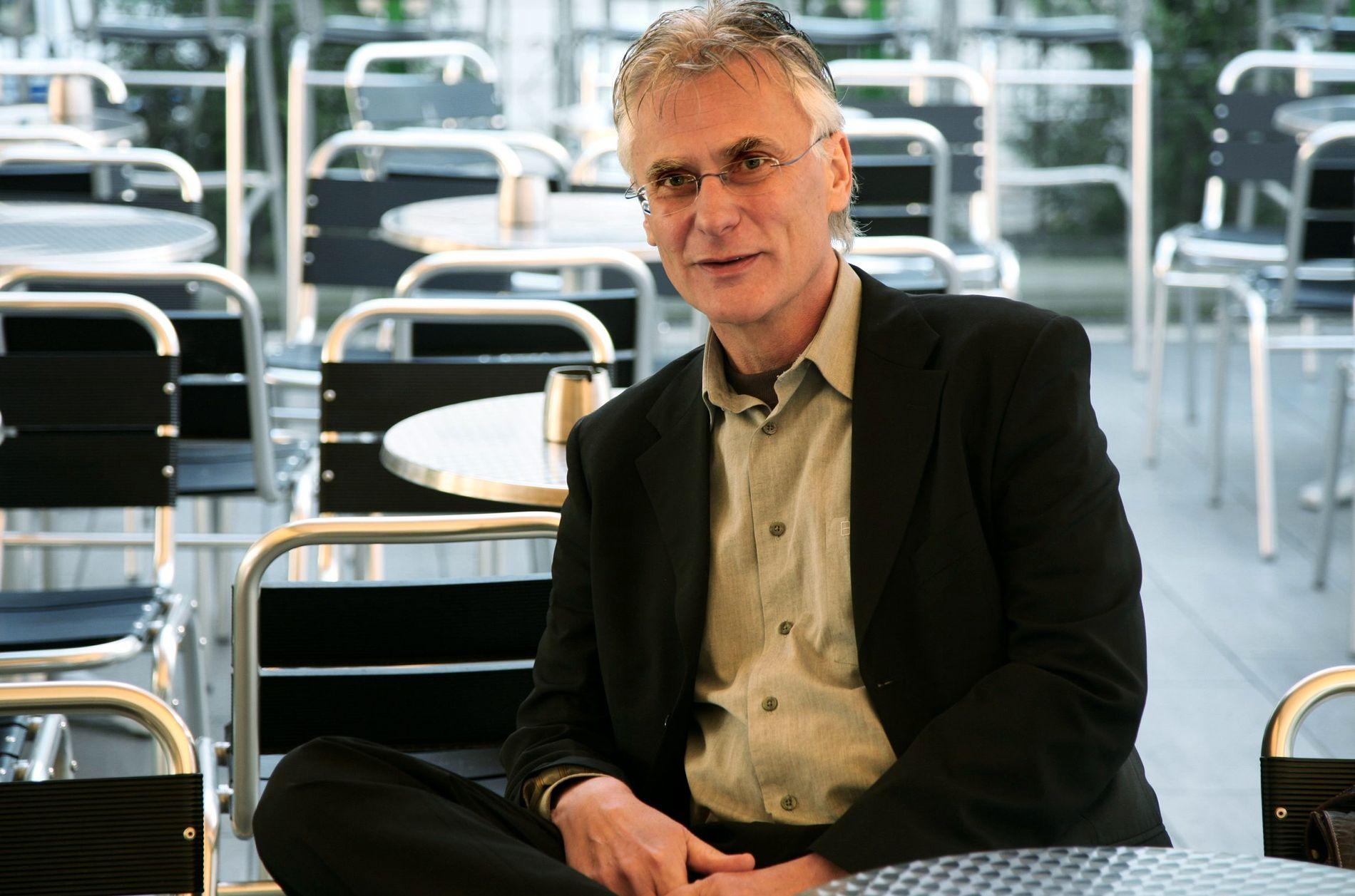 GJENSYN: - Jeg har ikke sett filmene våre på lang tid, men etter 20-30 år husker jeg fremdeles alle replikkene, forteller Petter Vennerød, som har hatt oppsyn med de nye DVD-versjonene.