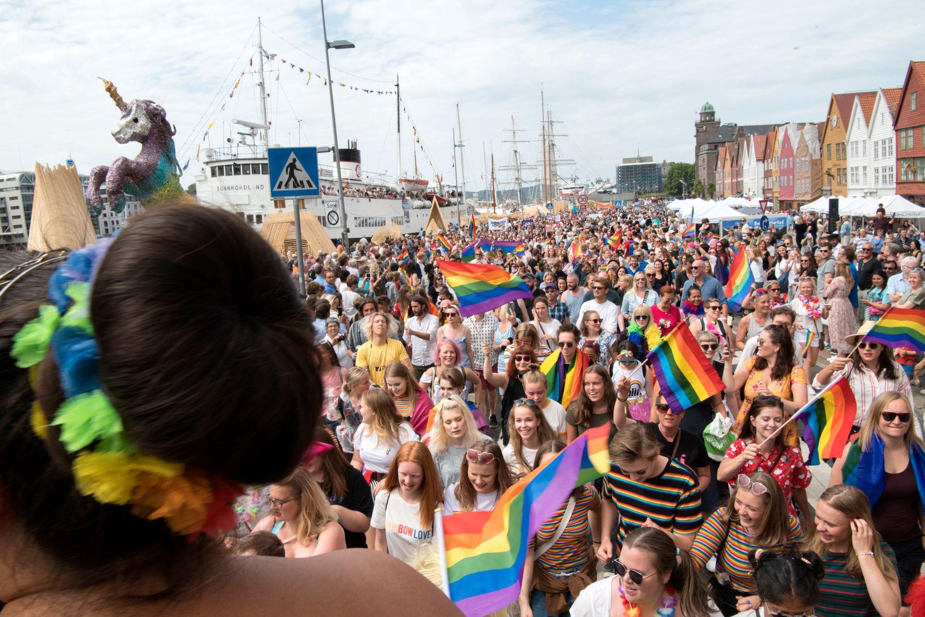 HAR SNUDD: Frp støtter helhjertet opp om homosaken, ifølge innsenderne. Bildet er fra sommerens Pride-arrangement i Bergen.