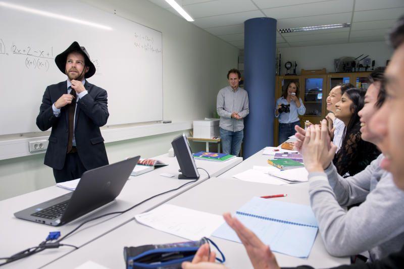 NY LOV MOT MOBBING: Kunnskapsminister Torbjørn Røe Isaksens (H) forslag til ny mobbelov bør få støtte. Loven skal bli tydeligere på at barn har rett til et trygt skolemiljø, og at all form for mobbing er uakseptabelt, mener BT.