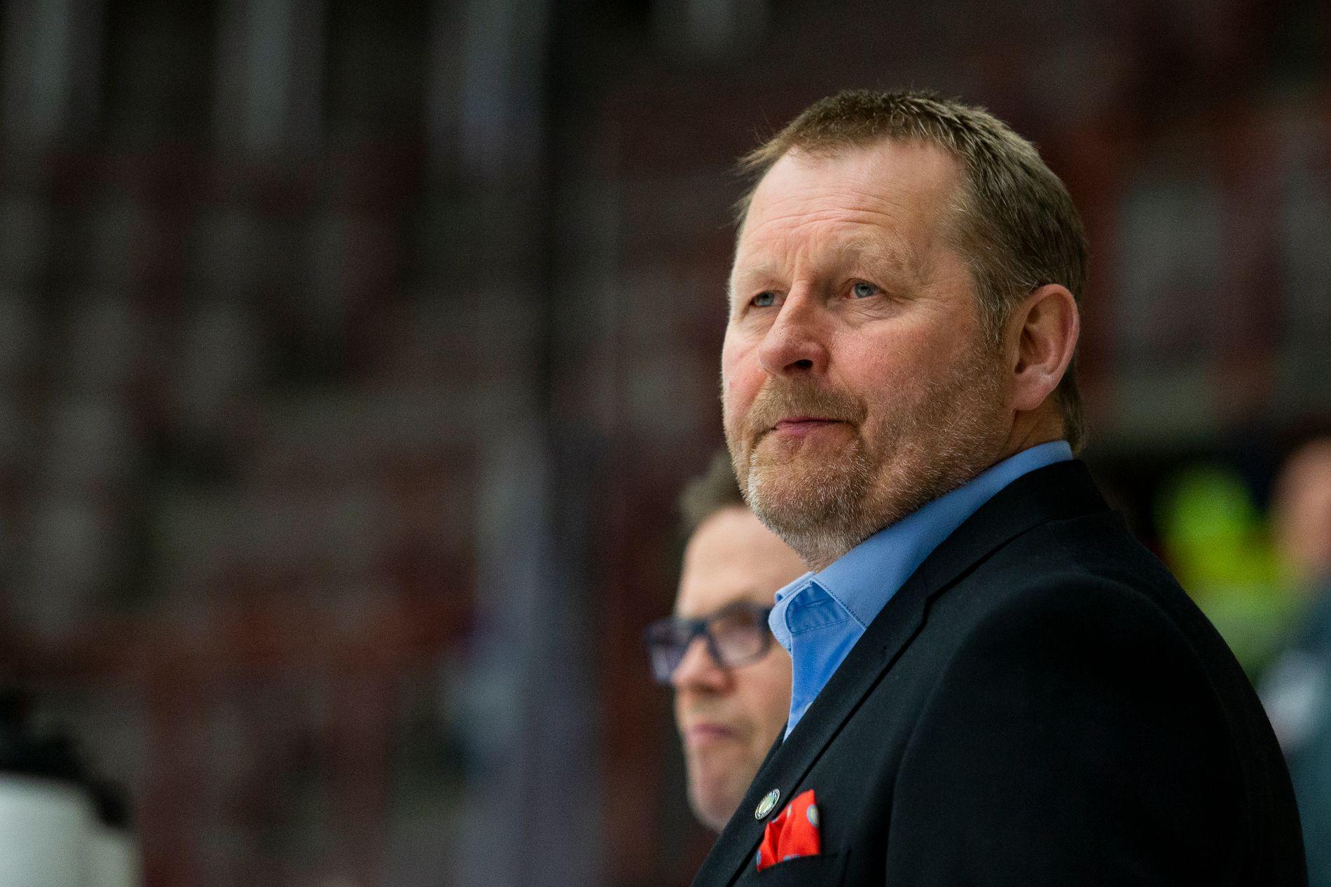 Landslagssjef Petter Thoresen så Norge få juling i 0-7-tapet for Finland fredag.