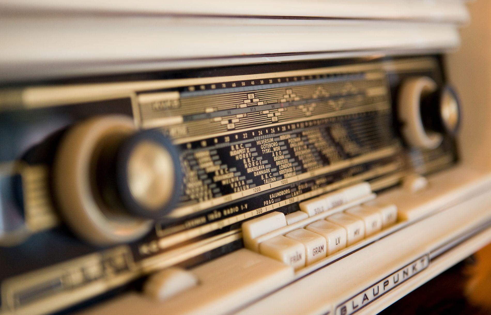 Folk hører mindre på radio