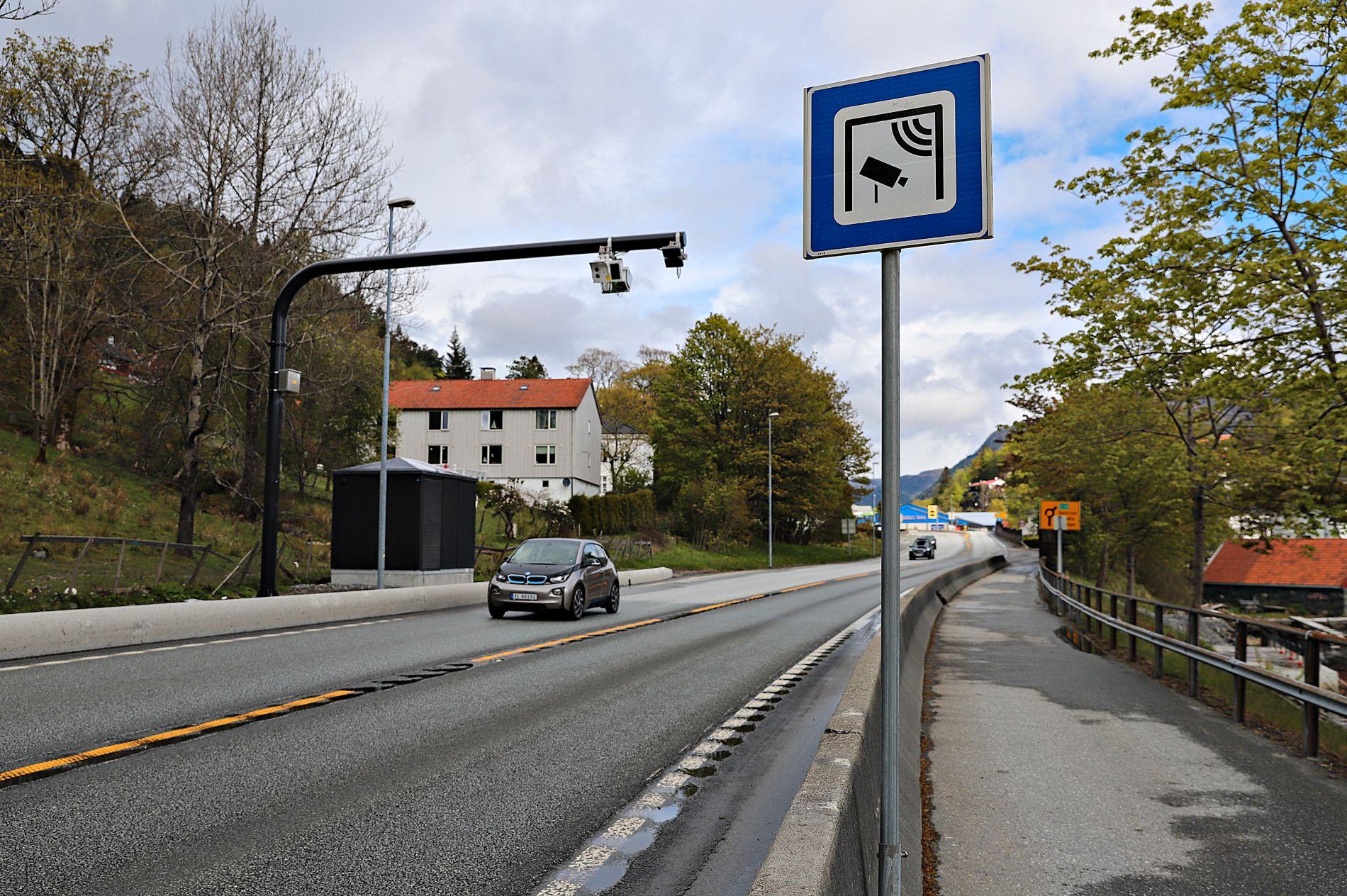 BETALE MINDRE: Høyre har sendt inn en interpellasjon til bystyret om at barnefamilier skal betale mindre i bomringen.