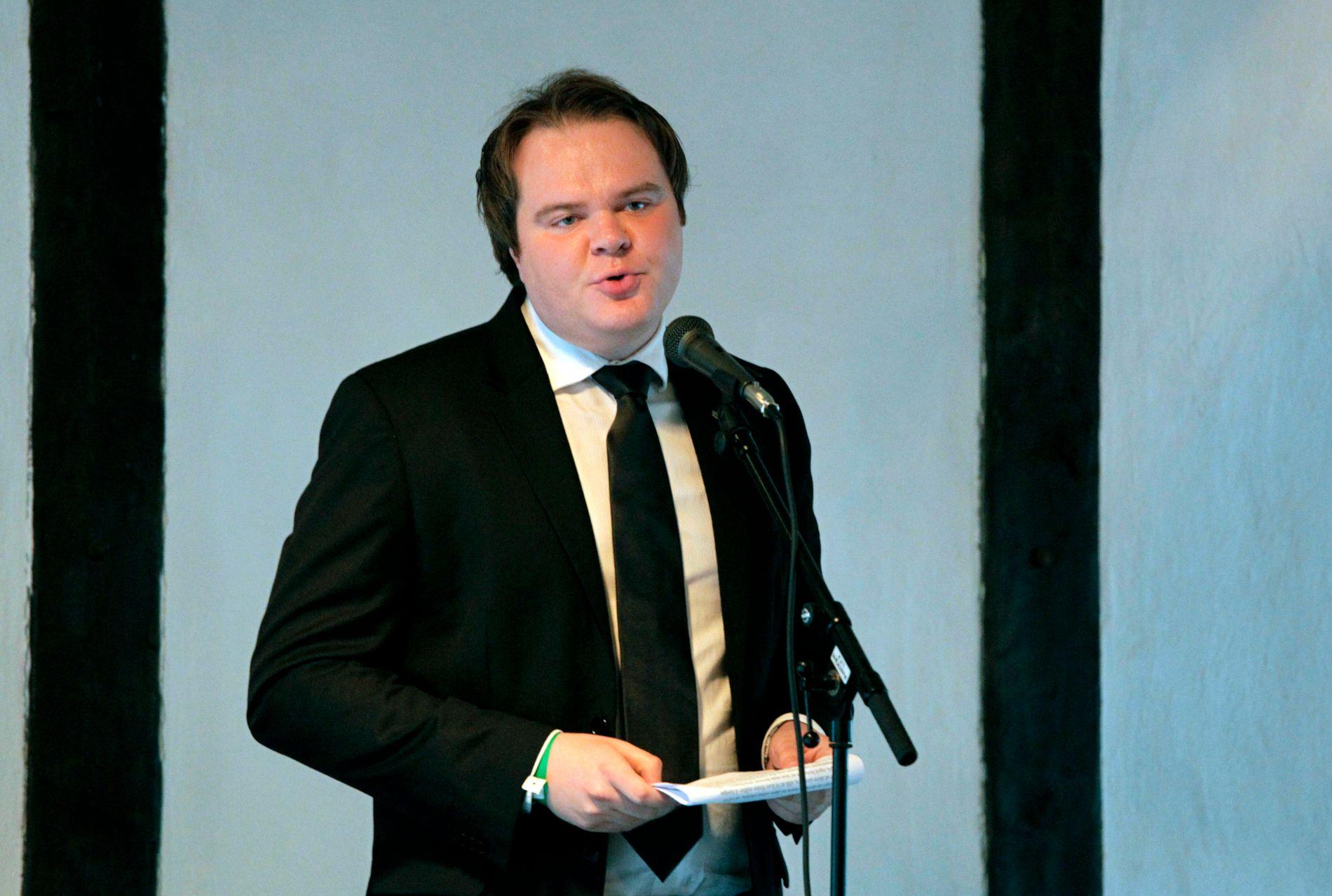 INGEN PARTIKANIN: Tidligere FpU-leder og statssekretær Ove Vanebo er lansert som kandidat til justisministerposten. Han avviser sitt kandidatur med at han ikke er noen skåsikker partikanin.