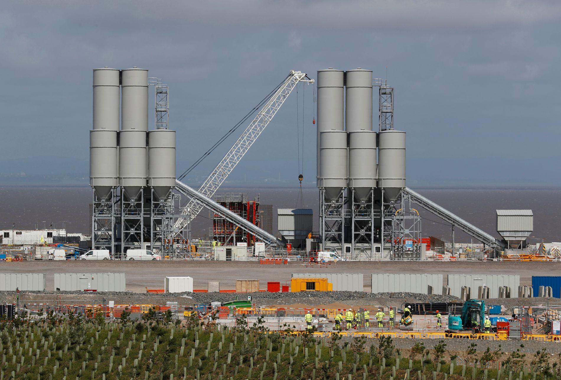 OMDISKUTERT: Den britiske regjeringen ga i fjor høst endelig godkjenning til bygging av atomkraftverket Hinkley Point C i Somerset. Anlegget er omdiskutert i Storbritannia fordi kinesiske og franske selskaper er tungt inne i finansieringen og driften av anlegget.