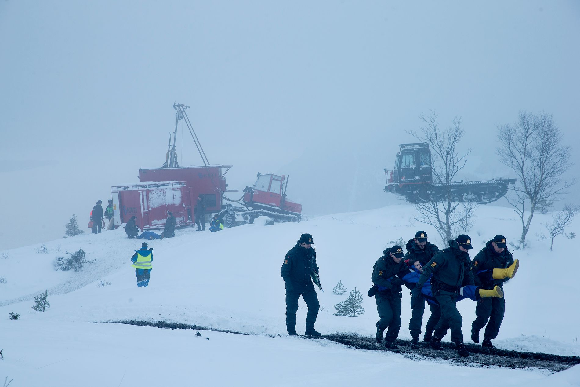 AKSJONAR: I februar 2016 vart aksjonistar, som freista å stoppa Nordic Minings arbeid på Engebøfjellet, fjerna av politiet.