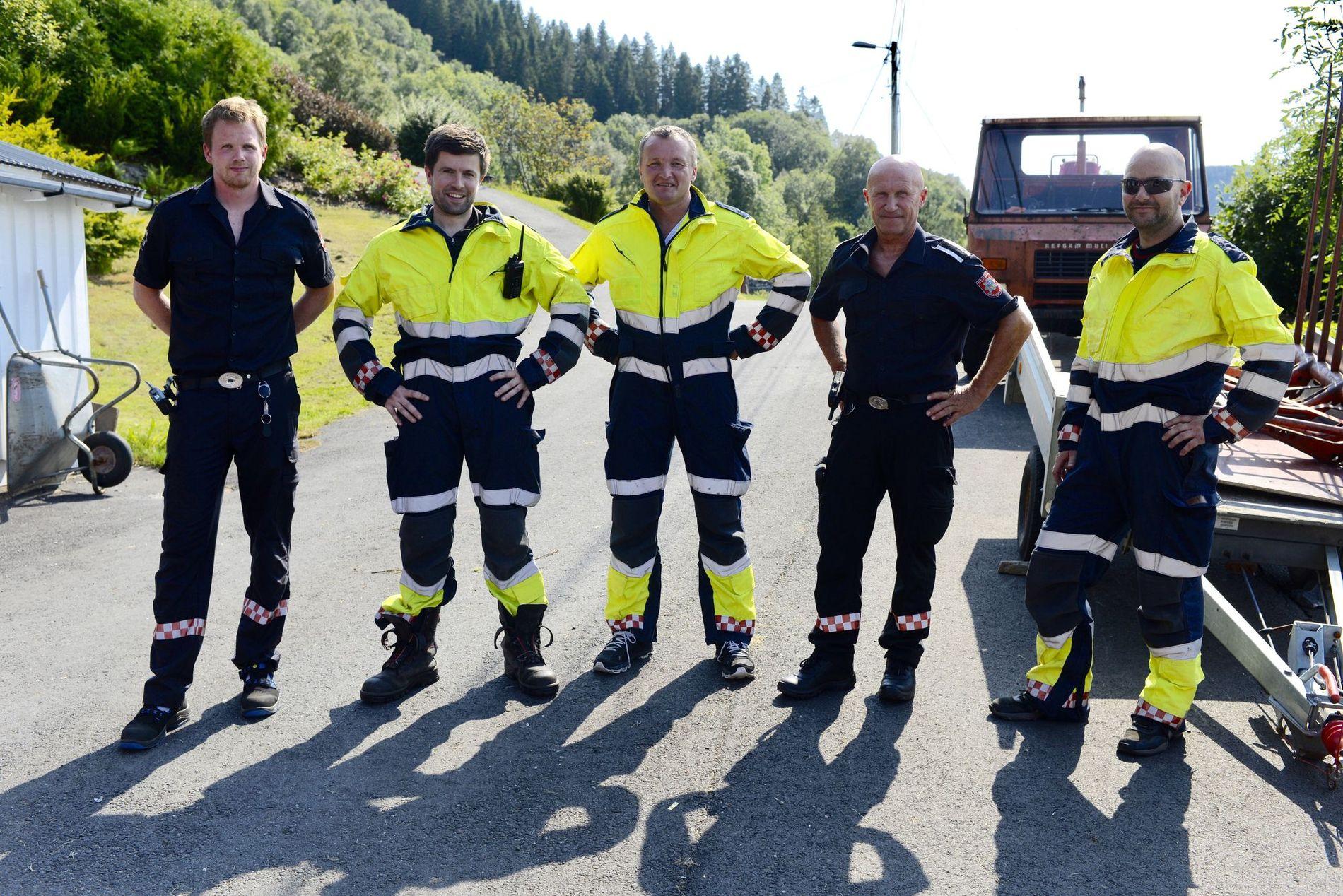 BISTO: Mannskap fra Bergen brannvesen hjalp til da det brøt ut brann i terrenget på Reigstadfjellet på Osterøy i juli.