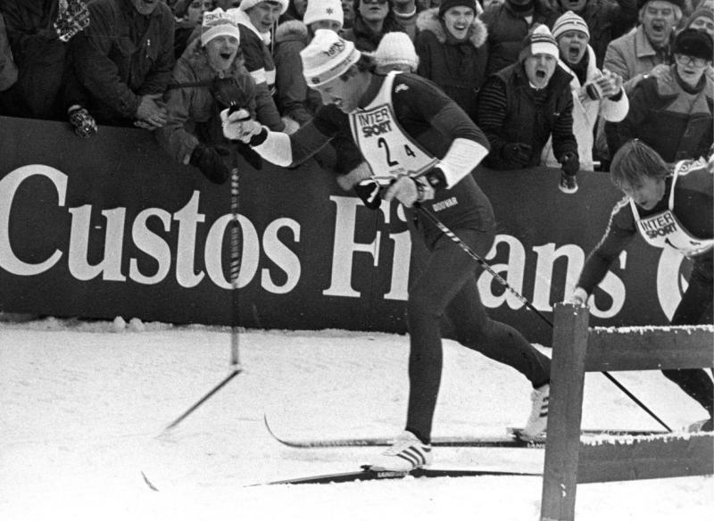 DET HISTORISKE RENNET: Oslo, 25 februar 1982. Akkurat her brakk Oddvar Brå staven. «Ski er viktig som sport, men det er så mykje meir enn ein sport. Ei transportform gjennom uminnelege tider. Eit uttrykk for kven vi er, ein identitetsmarkør», skriv Bård Vegar Solhjell.
