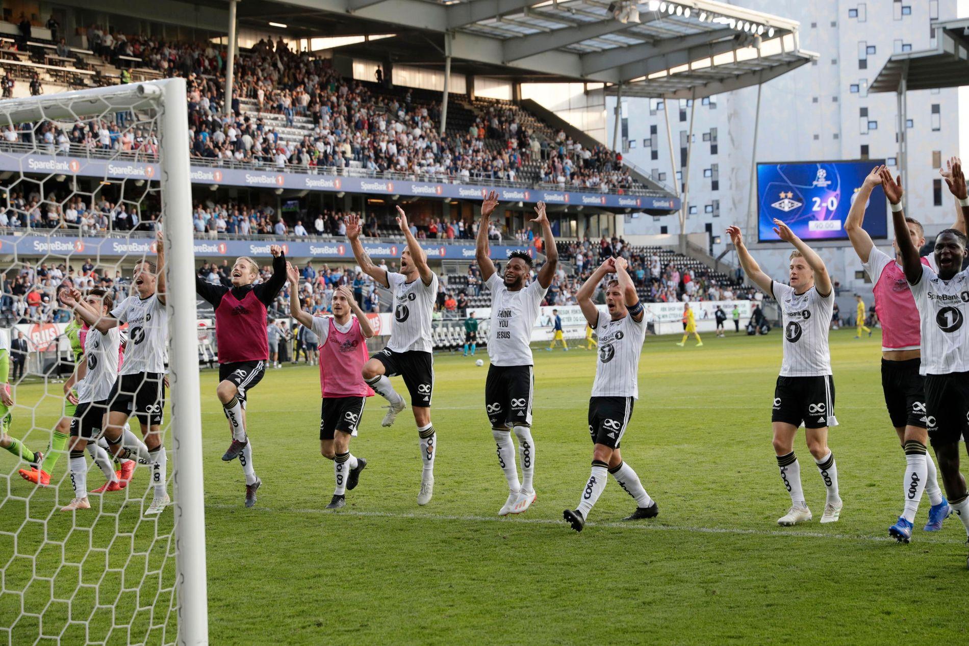 Rosenborg-spillerne kunne juble etter 2–0 på Lerkendal og avansement i Champions League-kvalifiseringen.