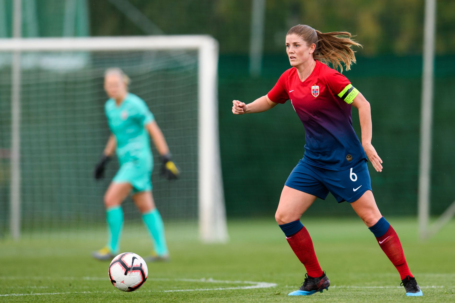 KAPTEIN: Maren Mjelde er kaptein på landslaget og var, ikke overraskende, én av Martin Sjögrens utvalgte.