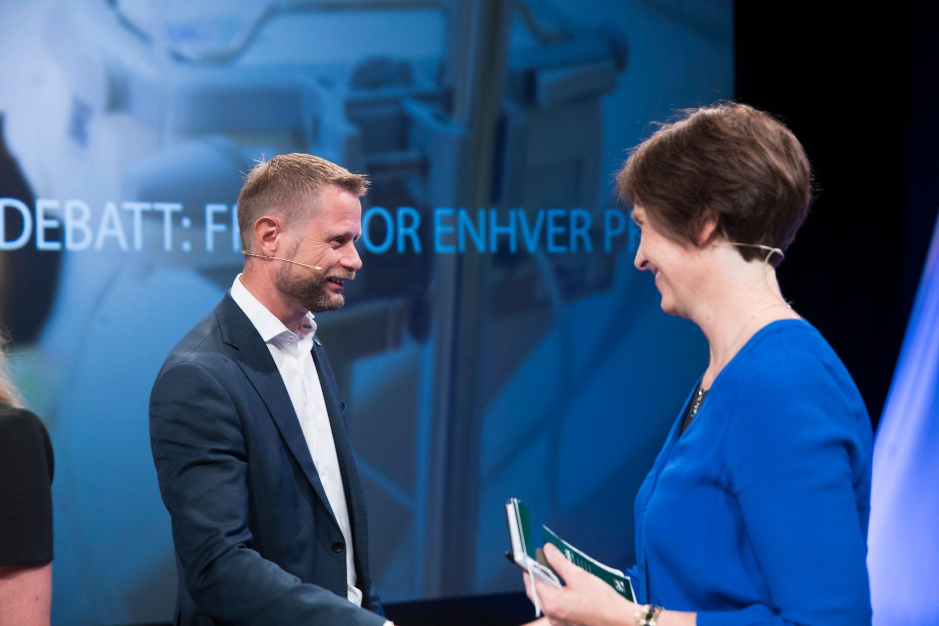 UENIGE: Mens helseminister Bent Høie (H) har lenge forsvart hemmeligholdet av medisinprisene, til Kjersti Toppes (Sp) frustrasjon.