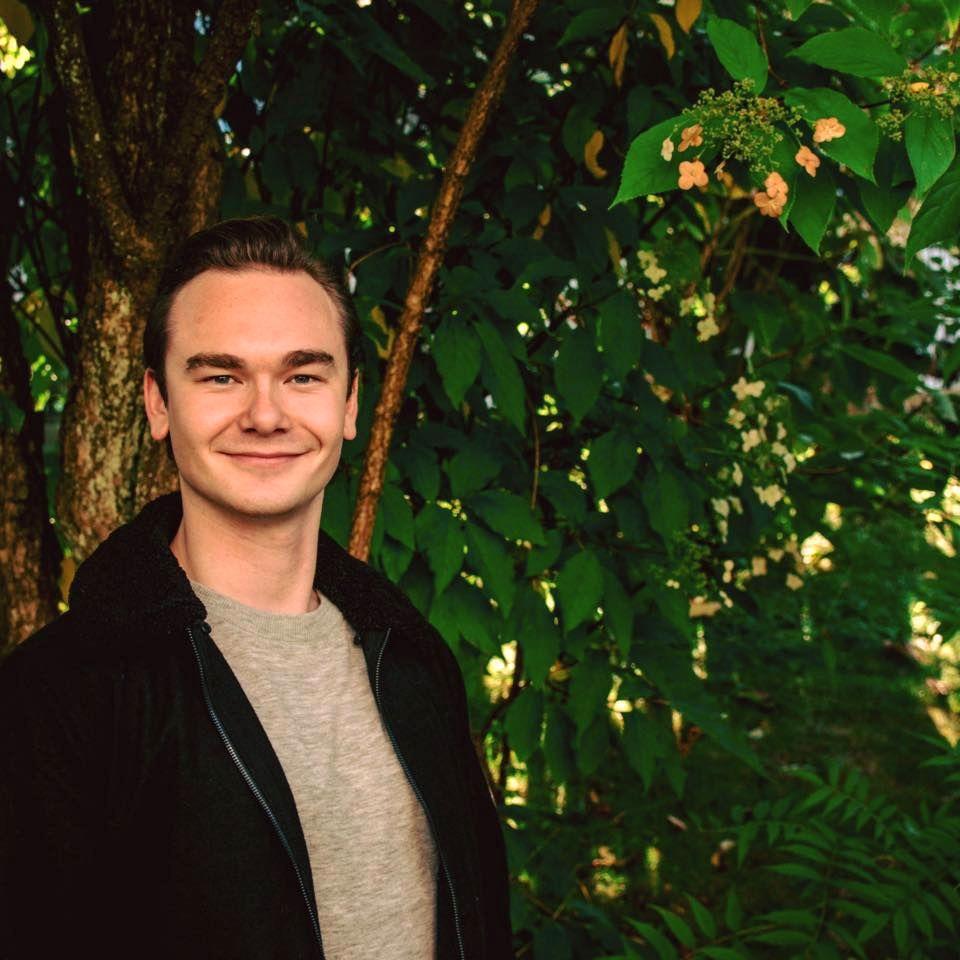 SKALKESKJUL:  UiB-student Ulrik Øen Johnsen mener at mange av motstanderne mot bybane over Bryggen har vikarierende motiver.