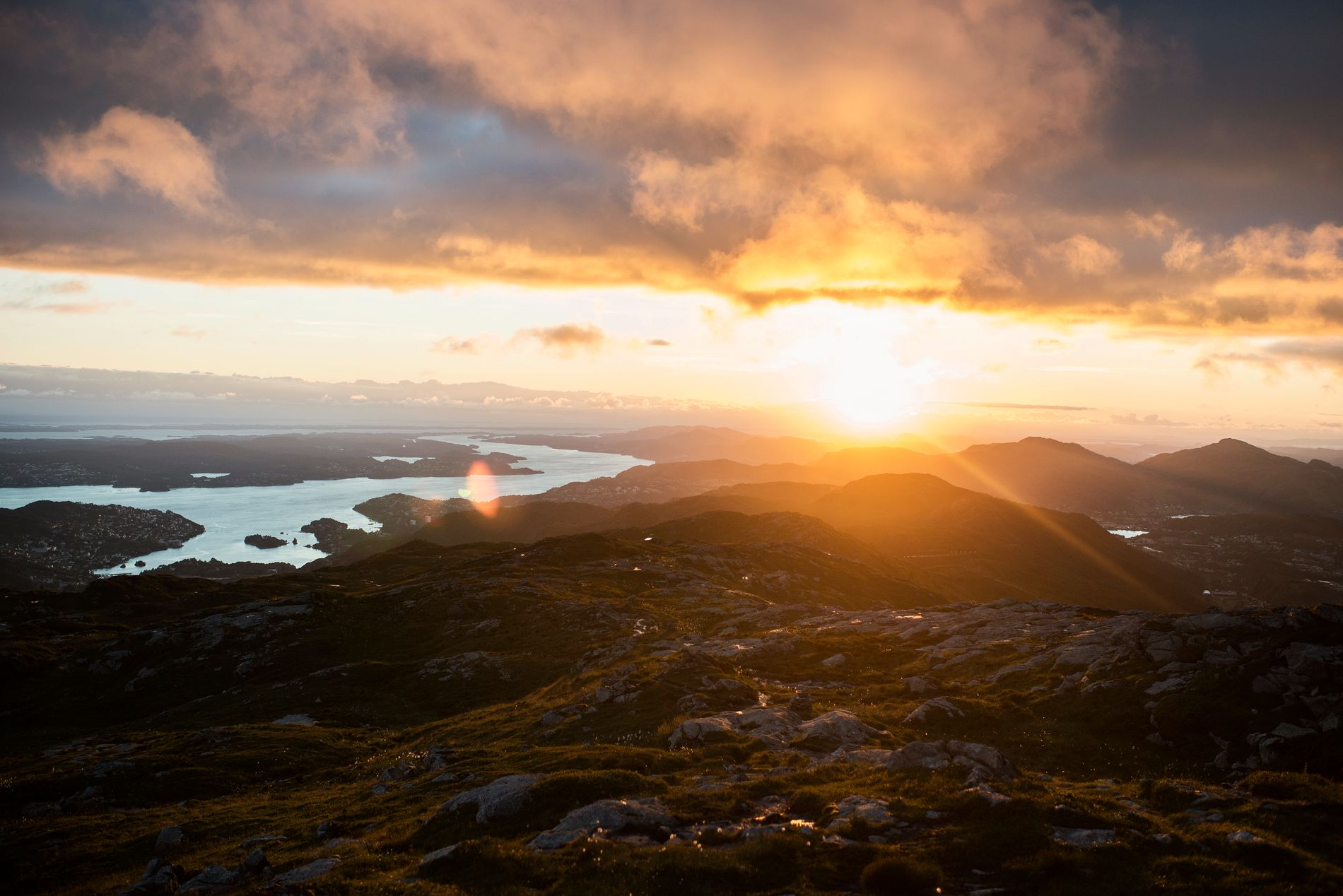 SJELEFRED: Visuelle inntrykk, dufter og lyder gir sjelefred både under og etter turen på Byfjellene, skriver Trygve Hillestad.