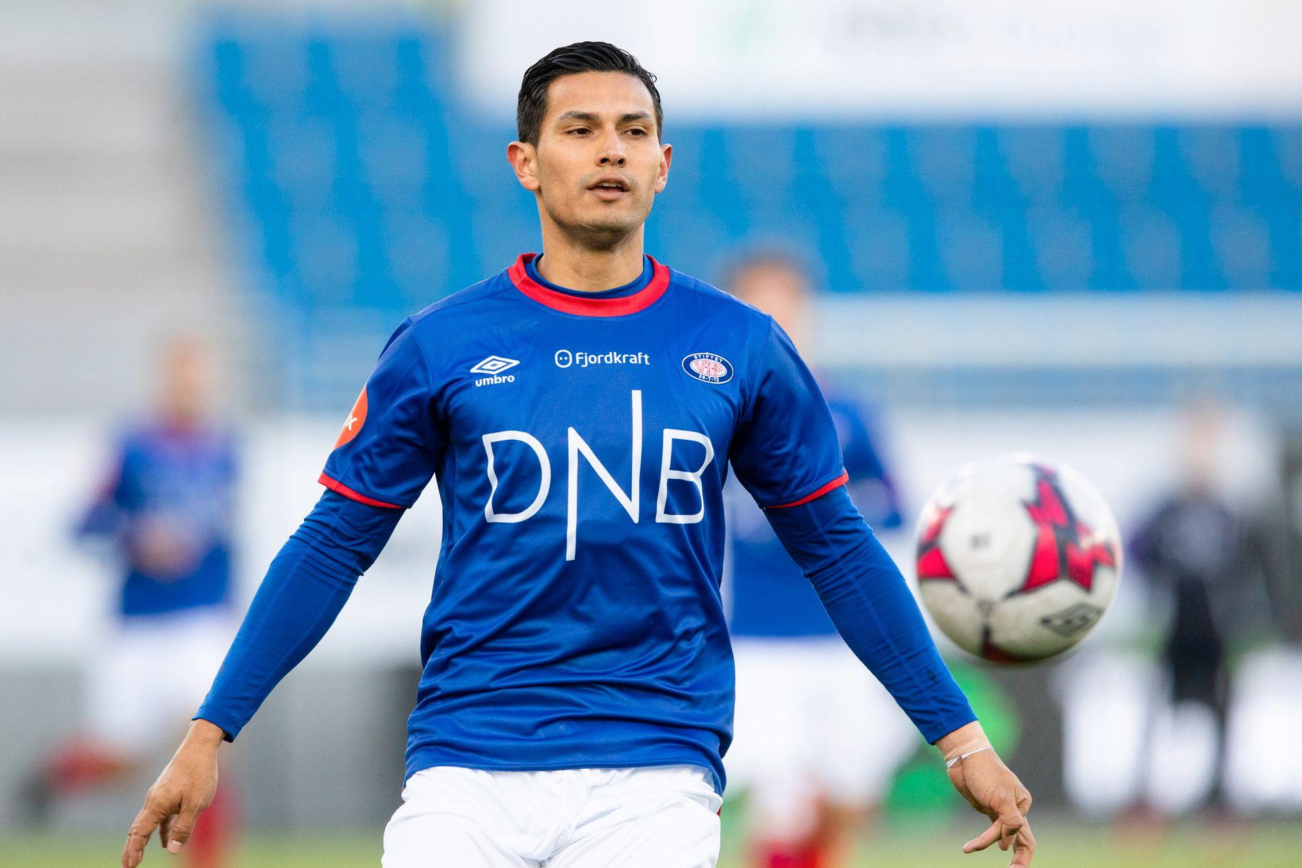 Vålerengas nysignering Deyver Vega under VIFs treningskamp mot Bodø/Glimt i begynnelsen av mars. Vålerenga vil spille med de samme draktene som i 2018, sett bort ifra noen sponsorbytter på baksiden av drakten.
