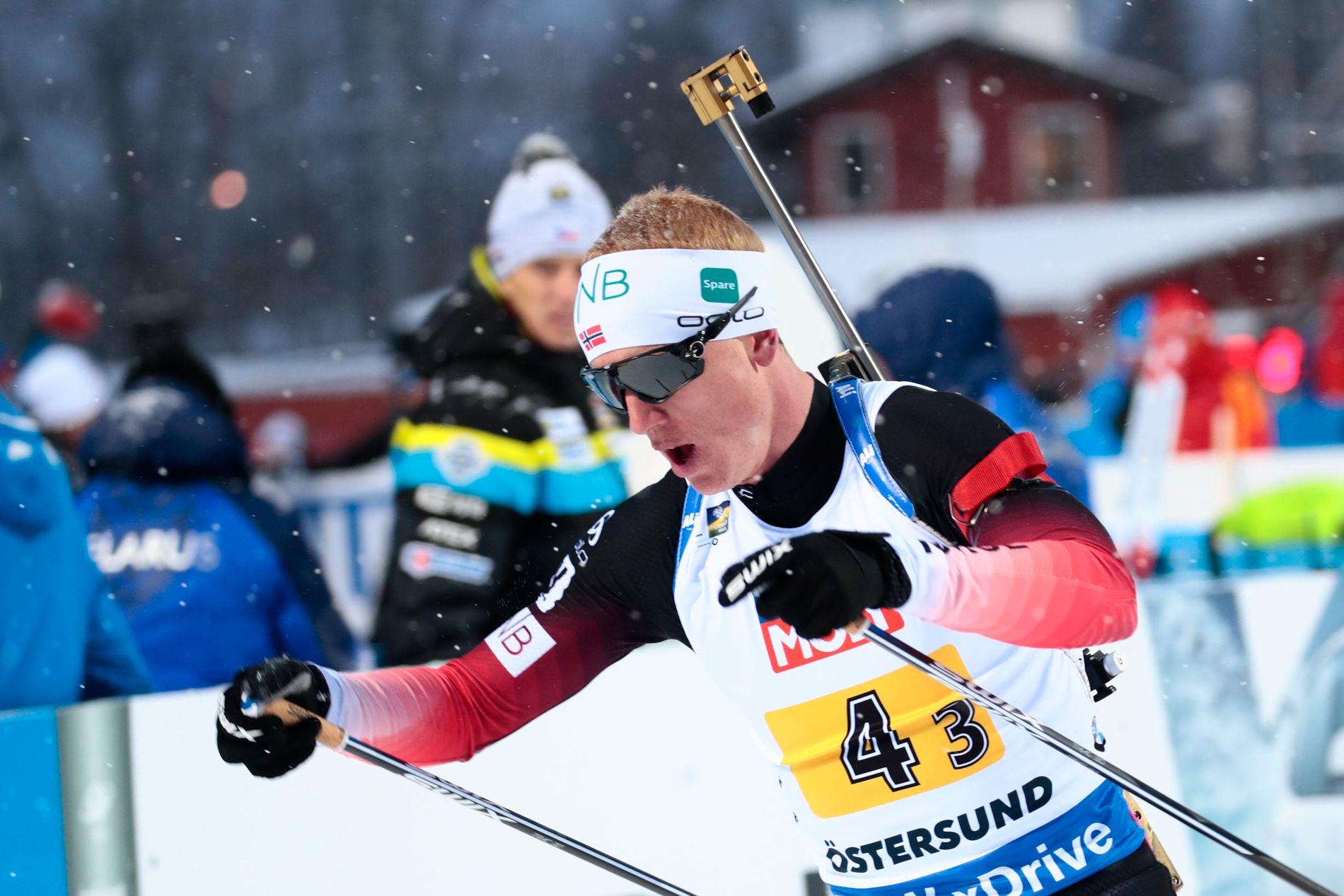 Johannes Thingnes Bø skaffet et forsprang på 15,4 sekunder foran den siste etappen, trass i to bom.