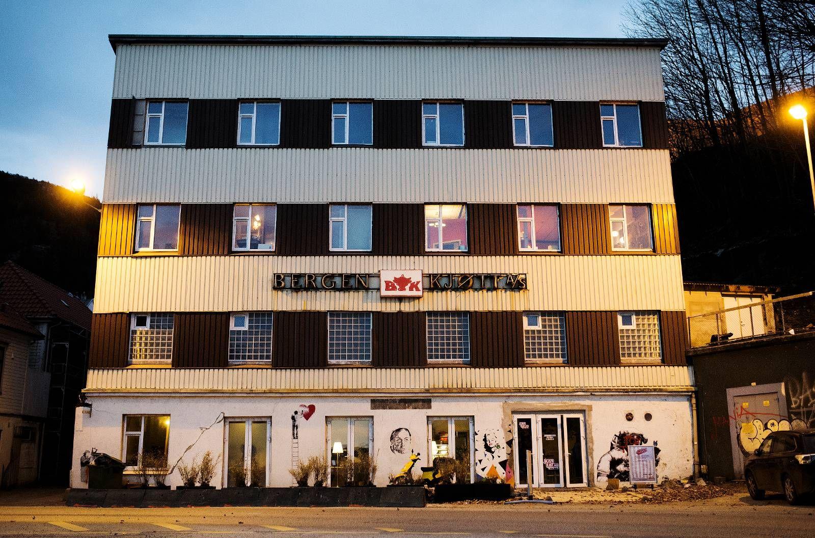 I TRØBBEL: Kulturhuset Bergen Kjøtt er blitt drevet i åtte måneder uten brukstillatelse. Nå krever kommuen stenging.
