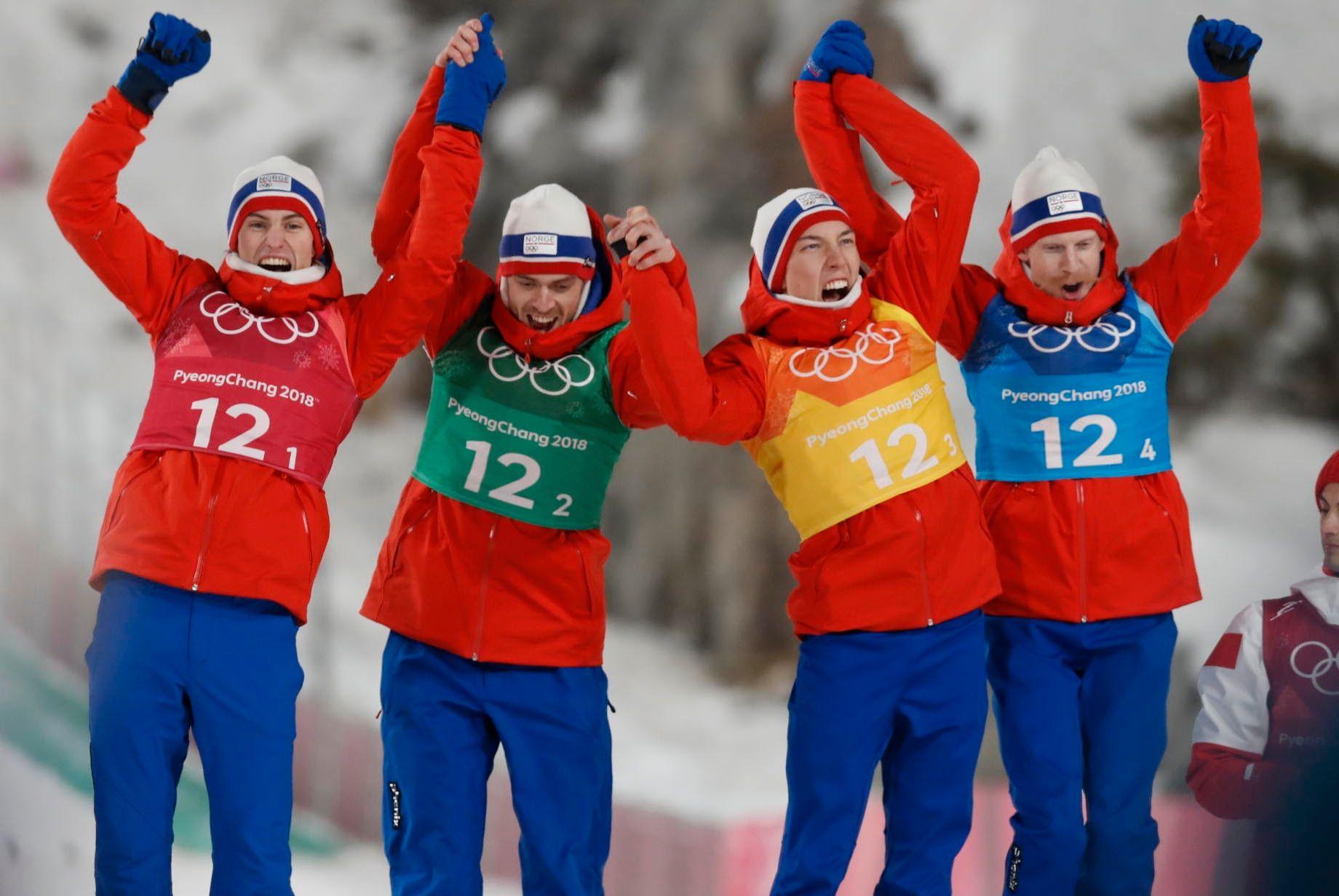 Kunne juble: De norske hoppherrene kunne juble for gull i lagkonkurransen mandag ettermiddag norsk tid.