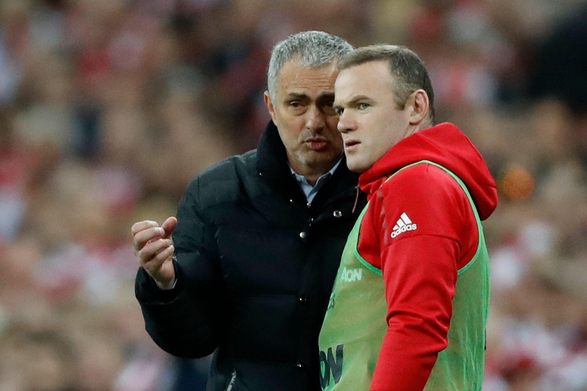 Wayne Rooney vender tilbake til Manchester og sin tidligere sjef José Mourinho søndag.