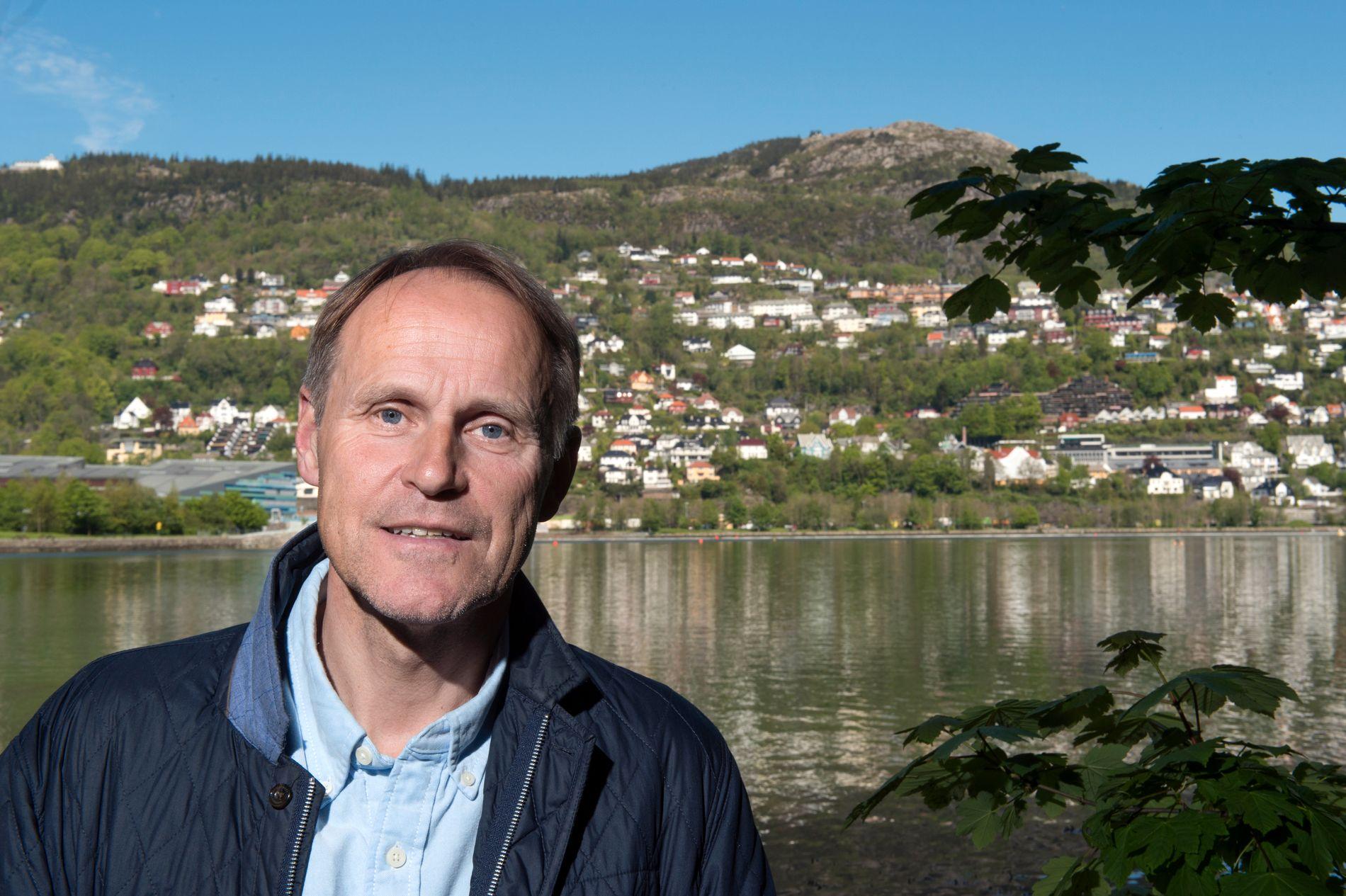 FRUSTRERT: Steinar Aase i Fjord Tours misliker de utenlandske bookingnettstedene.