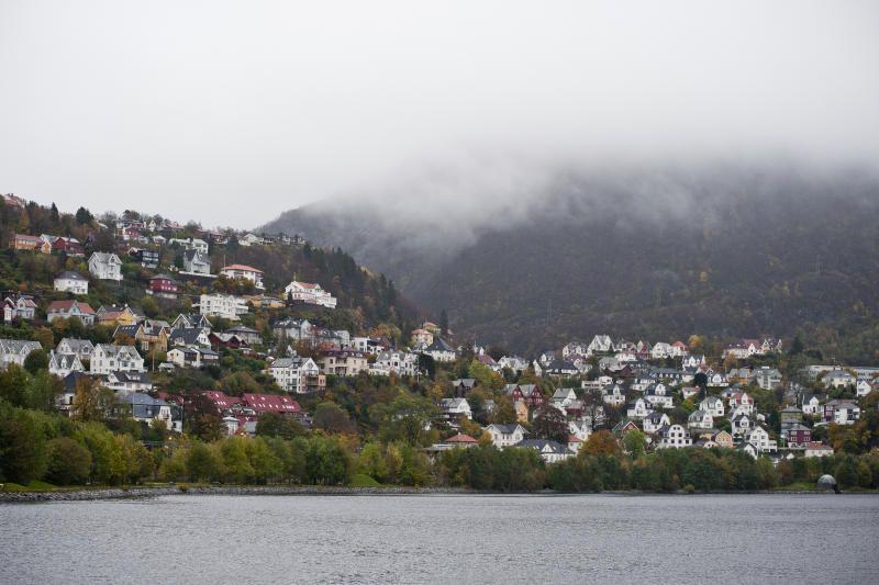 BARRIERE: Store Lungegårdsvannet fungerer som en barriere for spredning av luftforurensning langs bakken i Bergensdalen, skriver innsender.