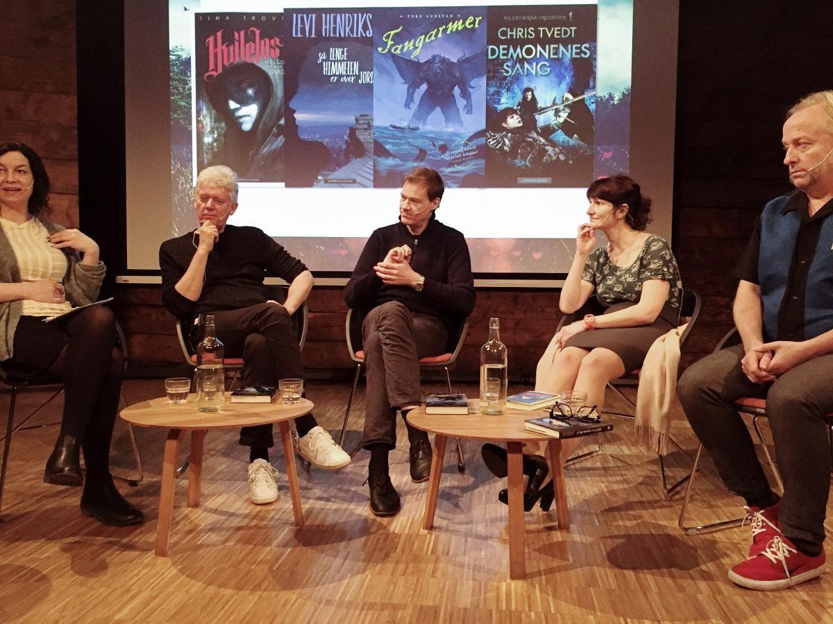 FRITT LEIDE: Cappelen Damm fikk fritt leide på Litteraturhuset. Fra venstre forfatterne Chris Tvedt, Tore Aurstad, Tina Trovik og Levi Henriksen. FOTO: CAPPELEN DAMM