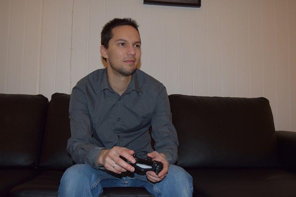 POSITIVT: Kris Leslie Munthe (bildet) har selv brukt spill som en flukt fra hverdagen gjennom hele livet.