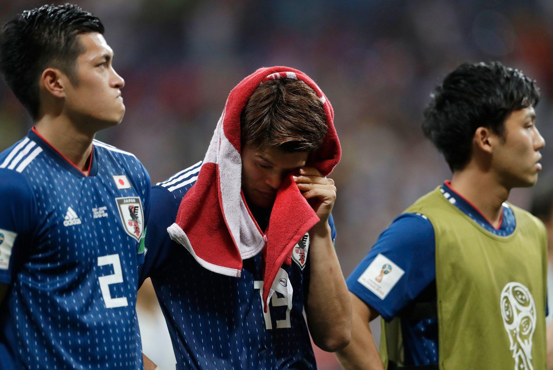 Her tørker Hiroki Sakai tårer etter 2–3-tapet for Belgia.
