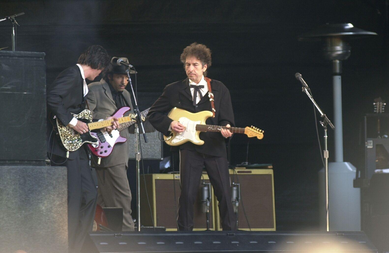 I BERGEN: Bob Dylan har vært i byen før. Her fra da han spilte i Nygårdsparken i 2001.