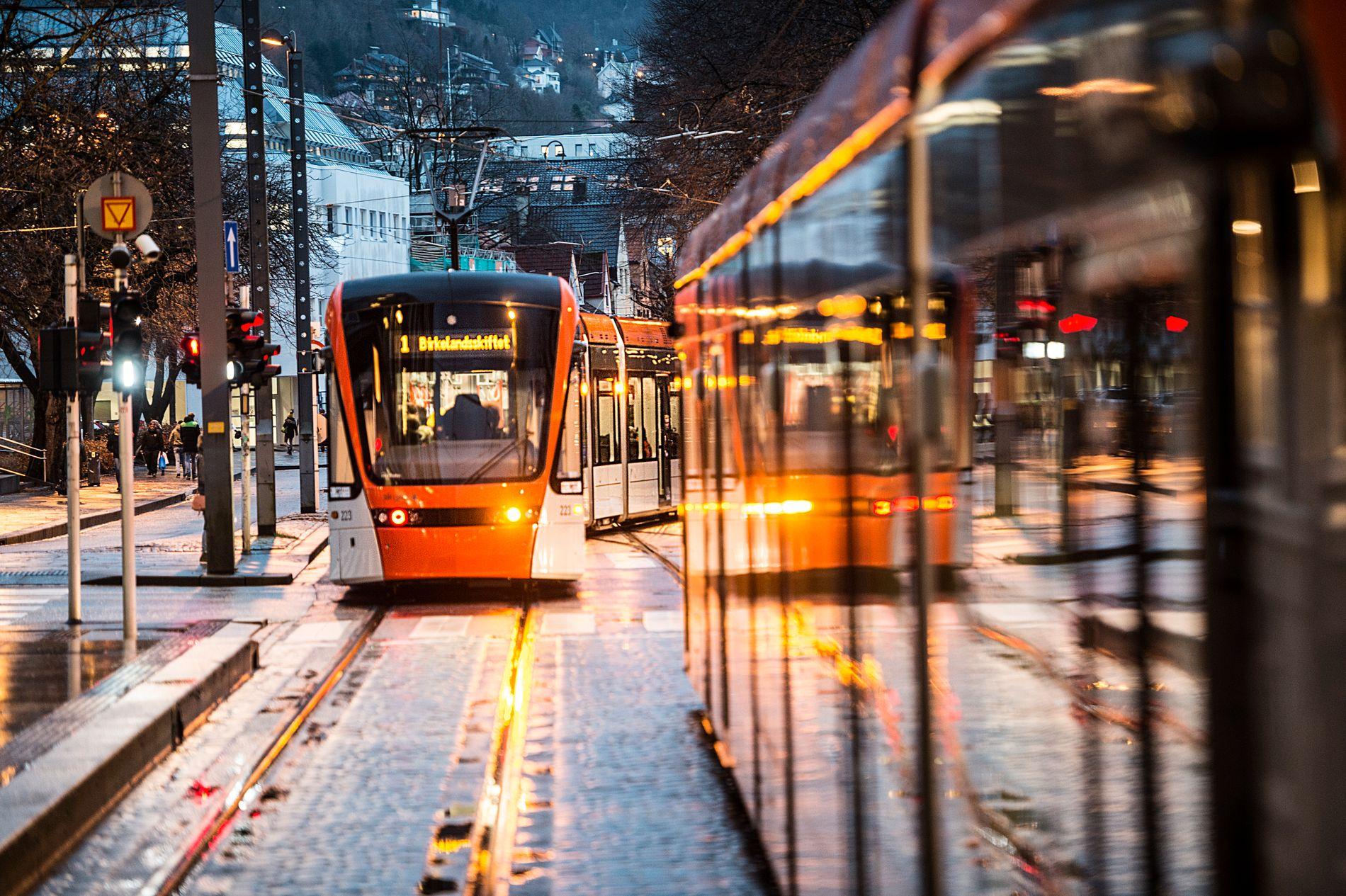 BYBANEN: «Det er kanskje på tide å revurdere bybaneambisjonene?» skrev stortingsrepresentant Ove Trellevik (H) på Facebook. Men Høyre elsker Bybanen, svarer Erik Skutle.