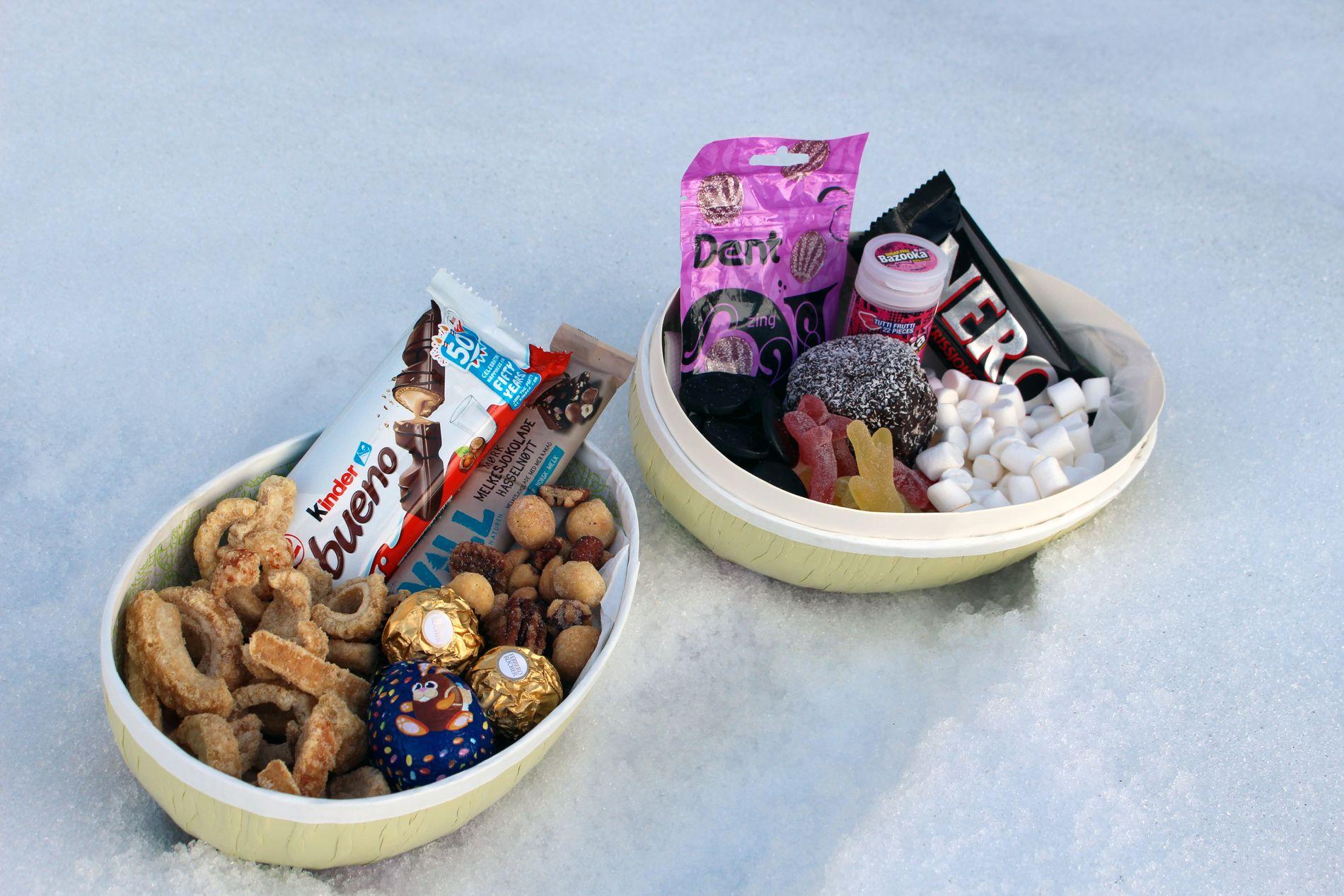 TO LIKE TUNGE PÅSKEEGG: Hvilket frister mest, egget til høyre eller venstre, eller en kombinasjon?   Egget til venstre inneholder fleskesvor, honningglaserte nøtter, Smarties-påskeegg, Kinder Bueno, mørk melkesjokolade med hasselnøtt og Ferrero Rocher. Egget til høyre inneholder kokosbolle, seigmenn, Dent-pastiller, marshmallows, lakrispirater, Nero og en tyggegummi (se nøyaktige mengder i faktalisten nede i saken).