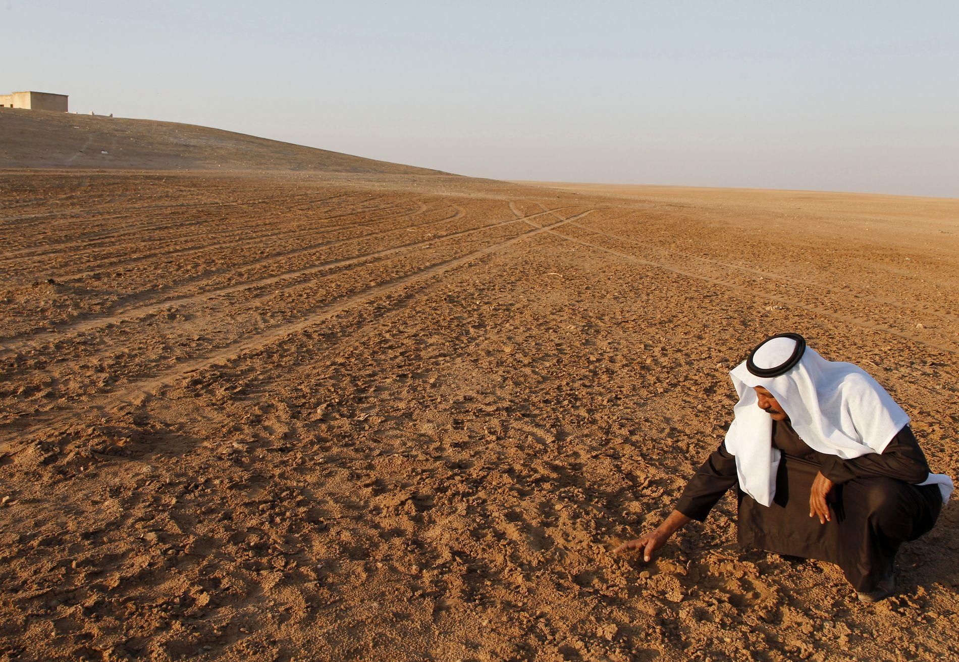 TØRKE: Tørken i Syria førte til massemigrasjon av folk frå dei uttørka landområda inn til byane, skriv Vidar Lehmann.