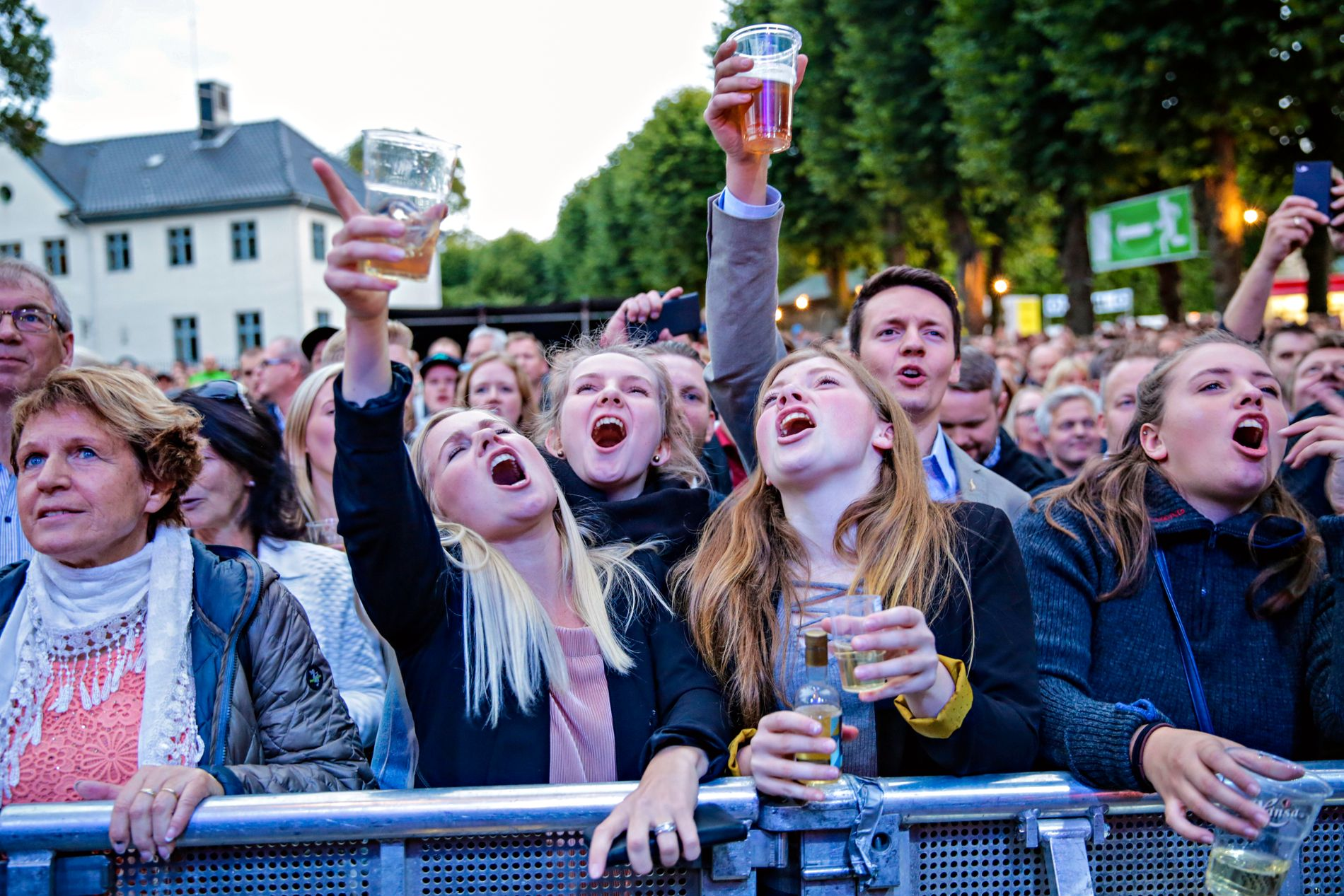 GOD STEMNING: Dersom Bergen skal videreutvikles som festival- og turistby, også for arrangementer av internasjonal størrelse, må aktørene her i regionen snakke bedre sammen, mener BT.