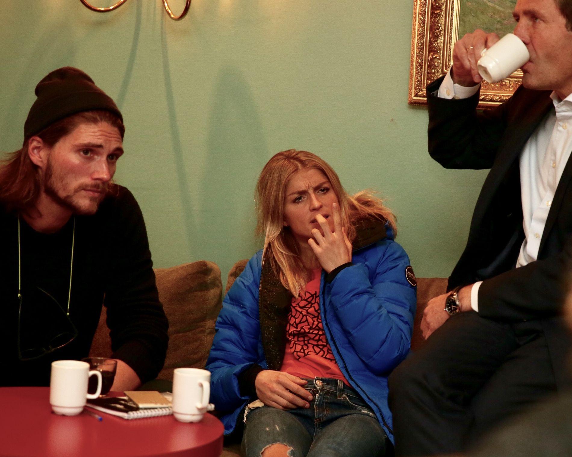 Therese Johaug hadde med seg kjæresten Nils Jacob Hoff da hun møtte norsk presse torsdag ettermiddag.