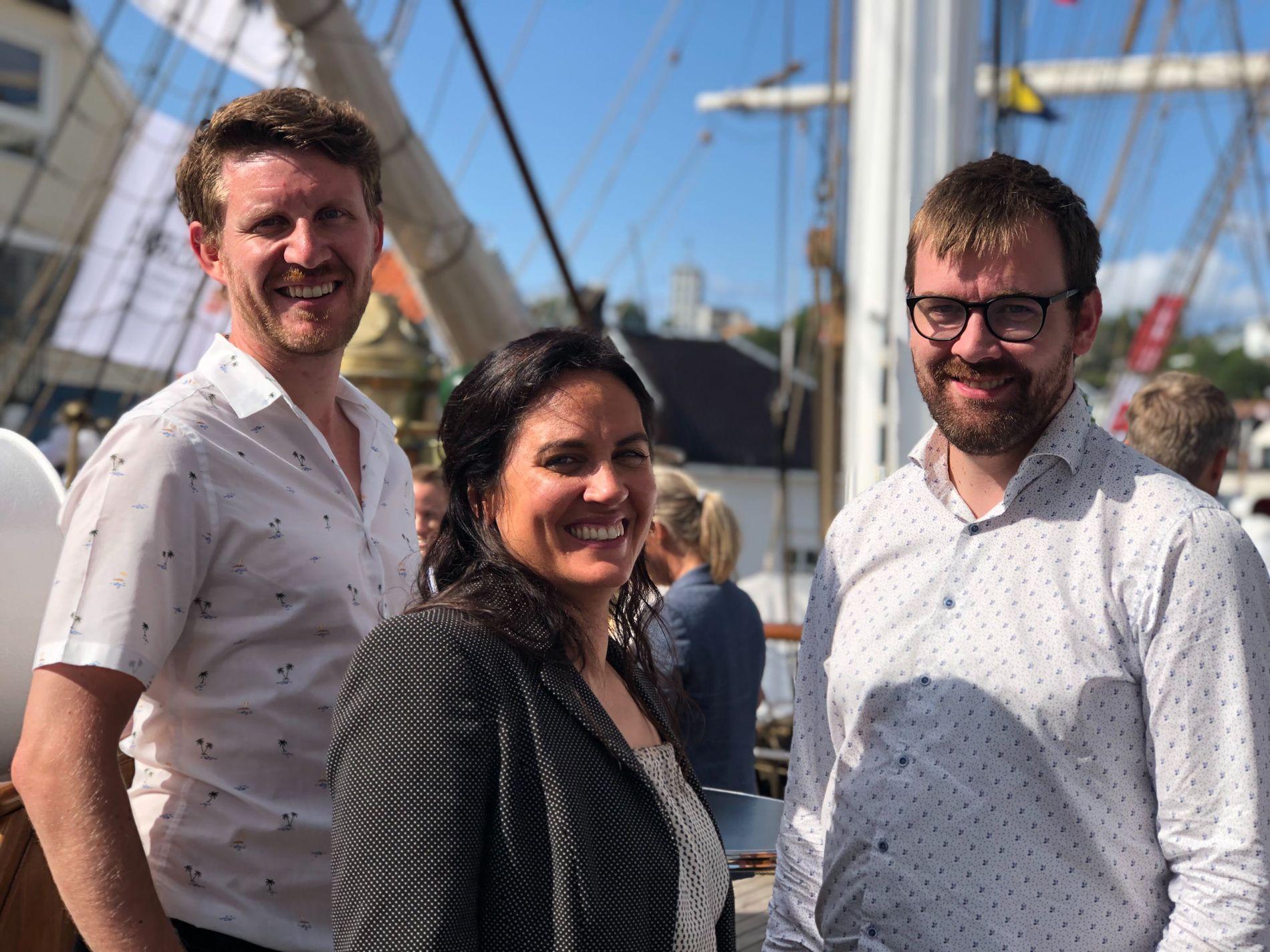 KLAR FOR VALKAMPSIRKUSET: Politisk redaktør Frøy Gudbrandsen og kommentator Jens Kihl er gjester i podkasten saman med kommentator Morten Myksvoll.
